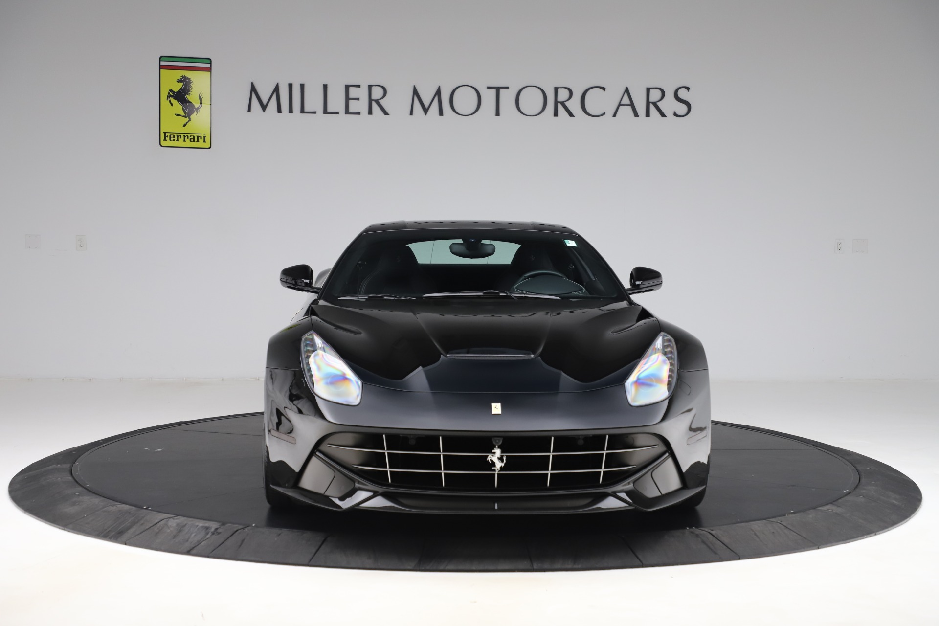 Used 2016 Ferrari F12 Berlinetta  For Sale In Greenwich, CT 1008_p12