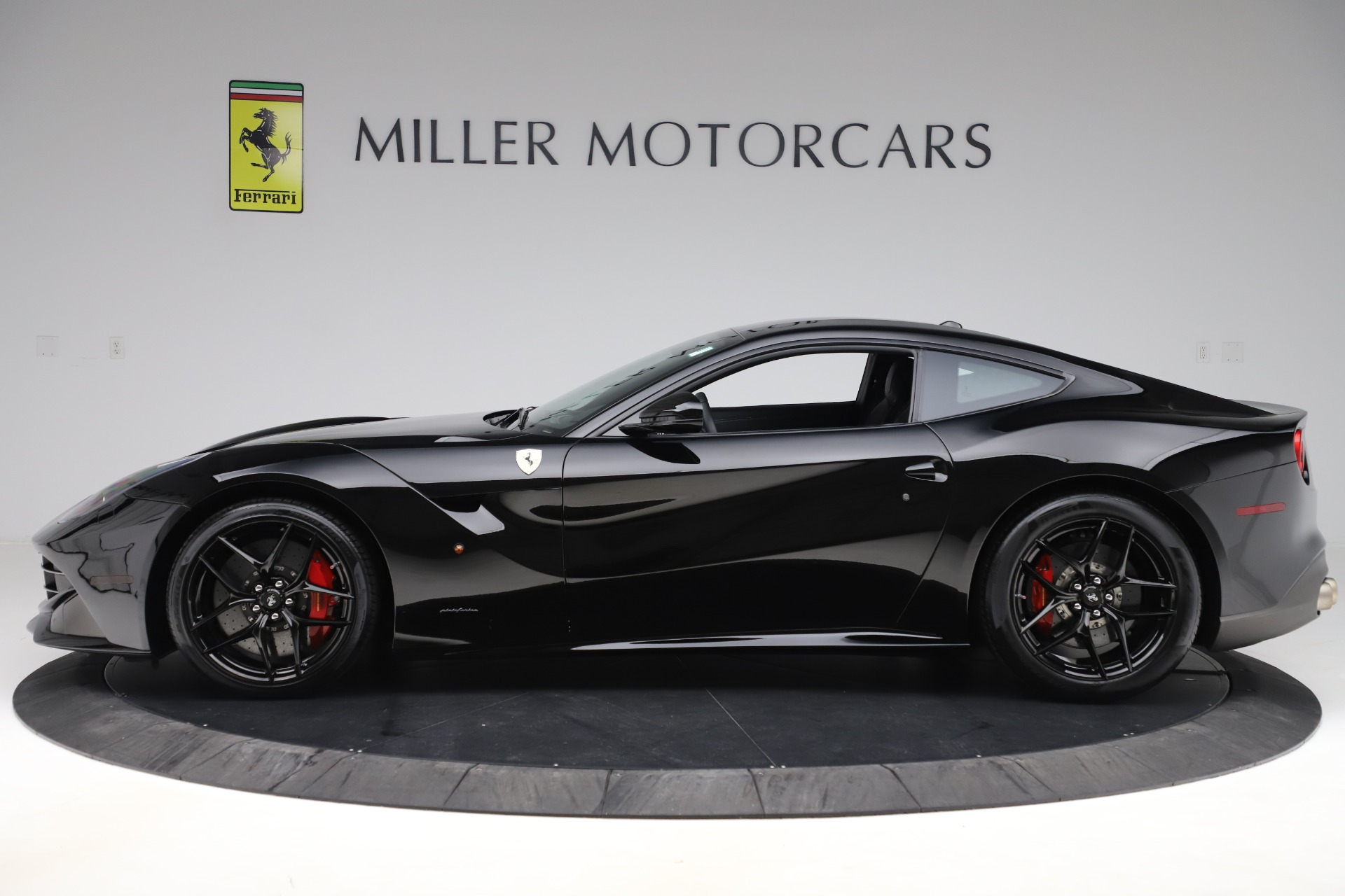 Used 2016 Ferrari F12 Berlinetta  For Sale In Greenwich, CT 1008_p3