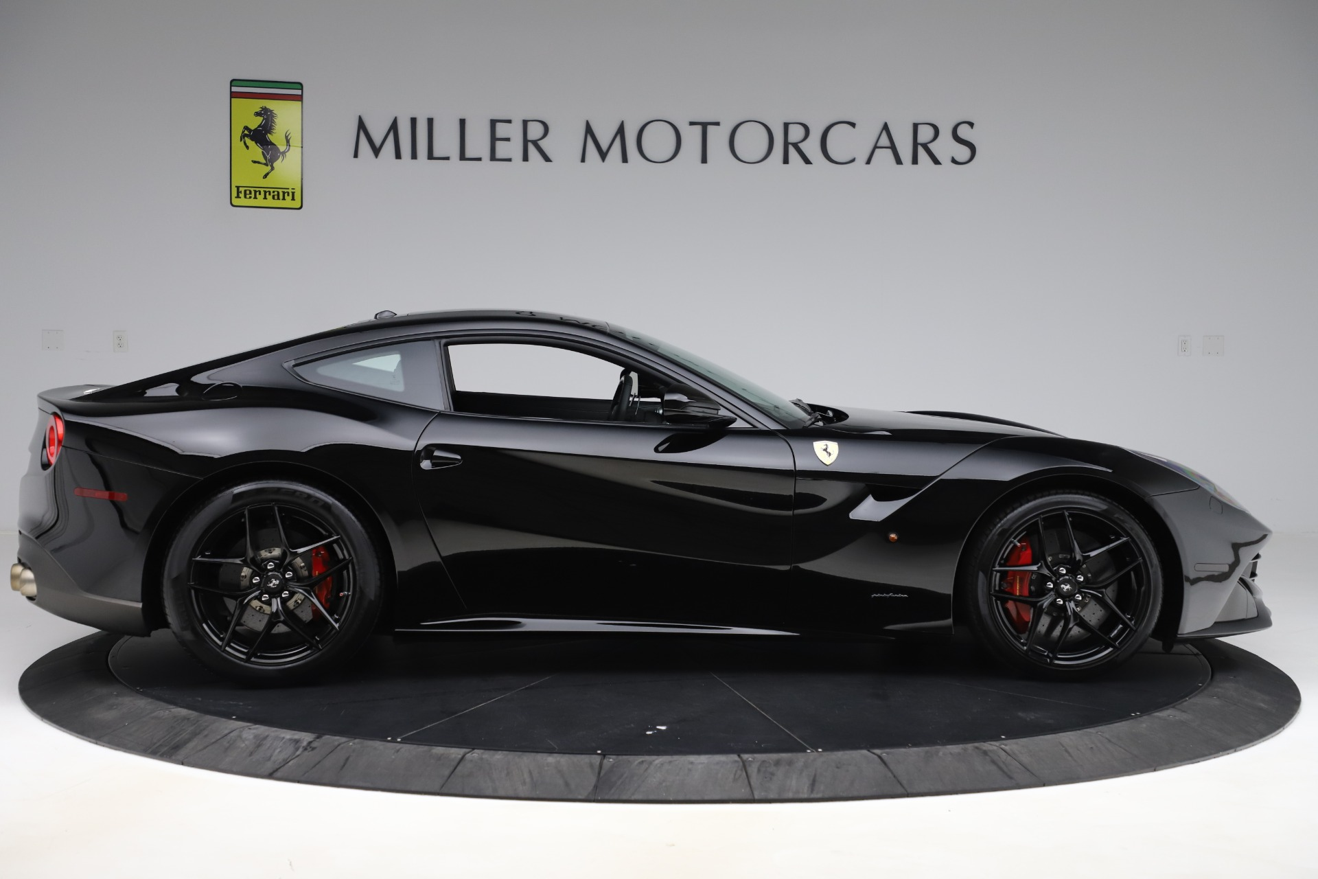 Used 2016 Ferrari F12 Berlinetta  For Sale In Greenwich, CT 1008_p9