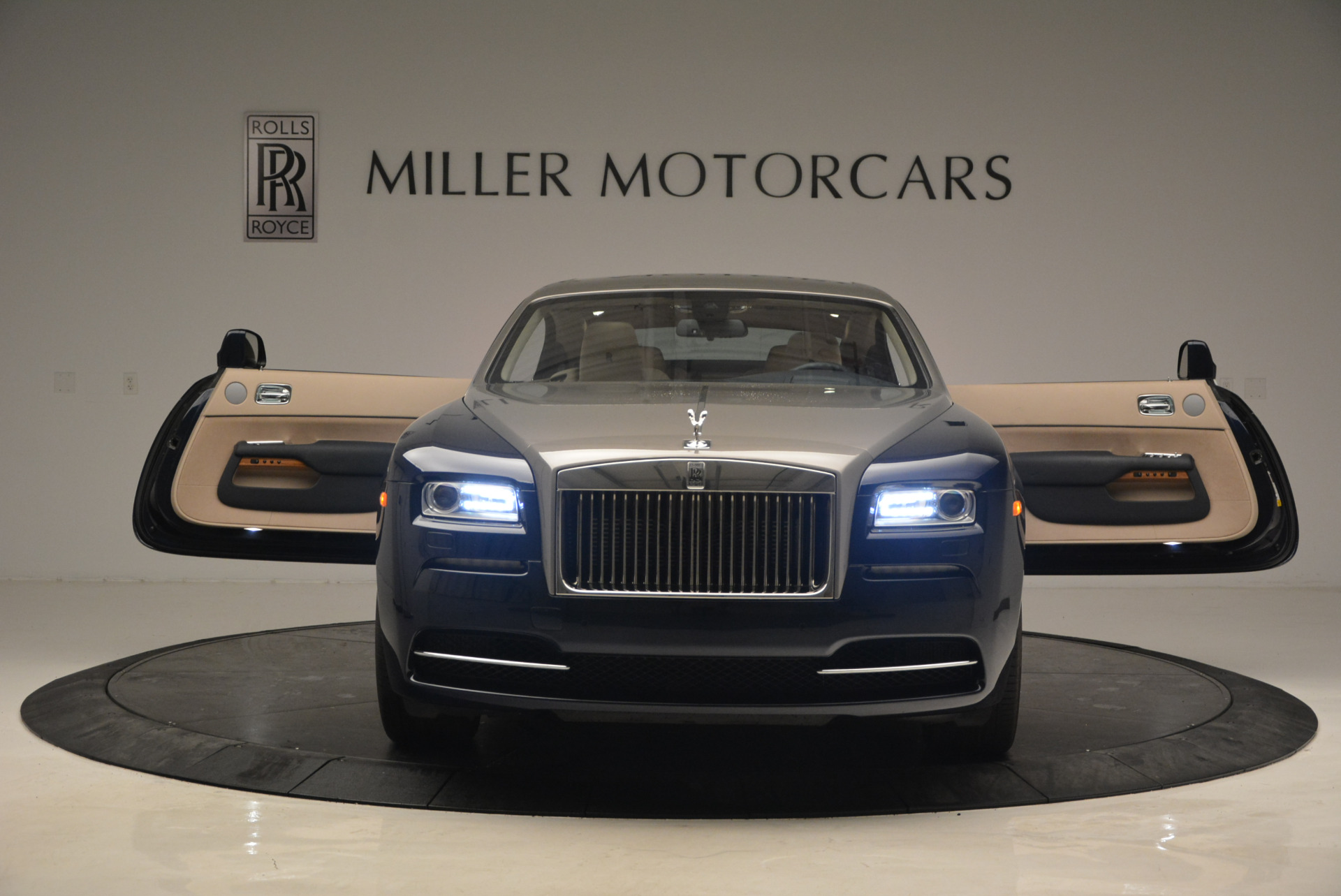 Used 2015 Rolls-Royce Wraith  For Sale In Greenwich, CT 1013_p13