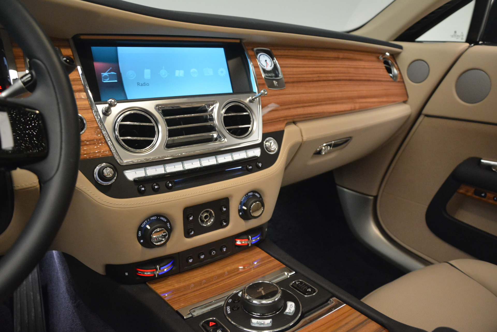 Used 2015 Rolls-Royce Wraith  For Sale In Greenwich, CT 1013_p19