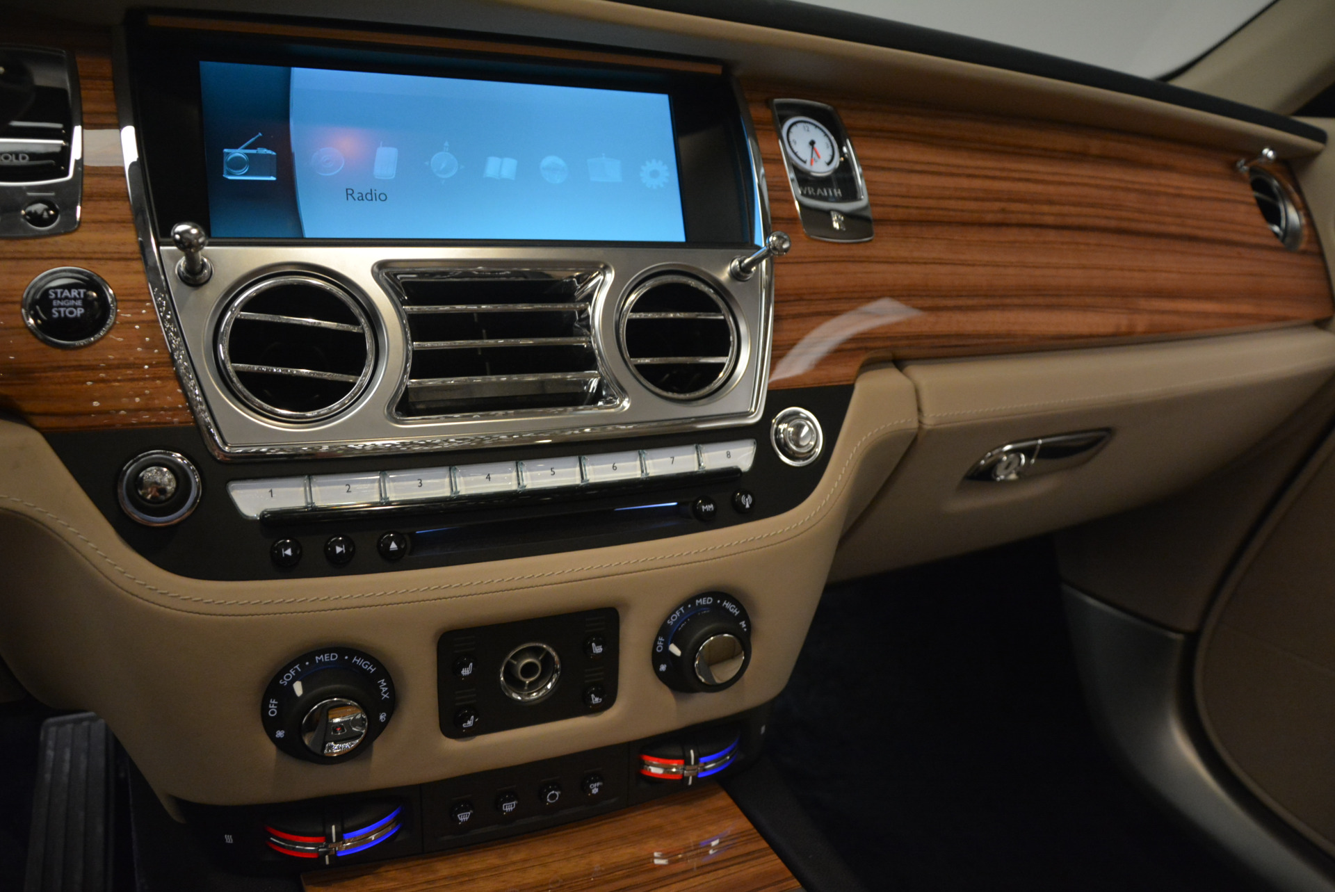 Used 2015 Rolls-Royce Wraith  For Sale In Greenwich, CT 1013_p20