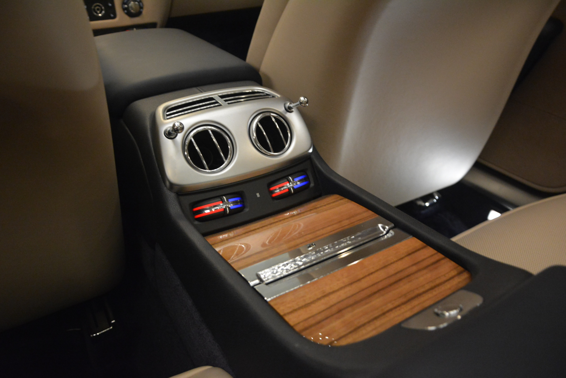 Used 2015 Rolls-Royce Wraith  For Sale In Greenwich, CT 1013_p24