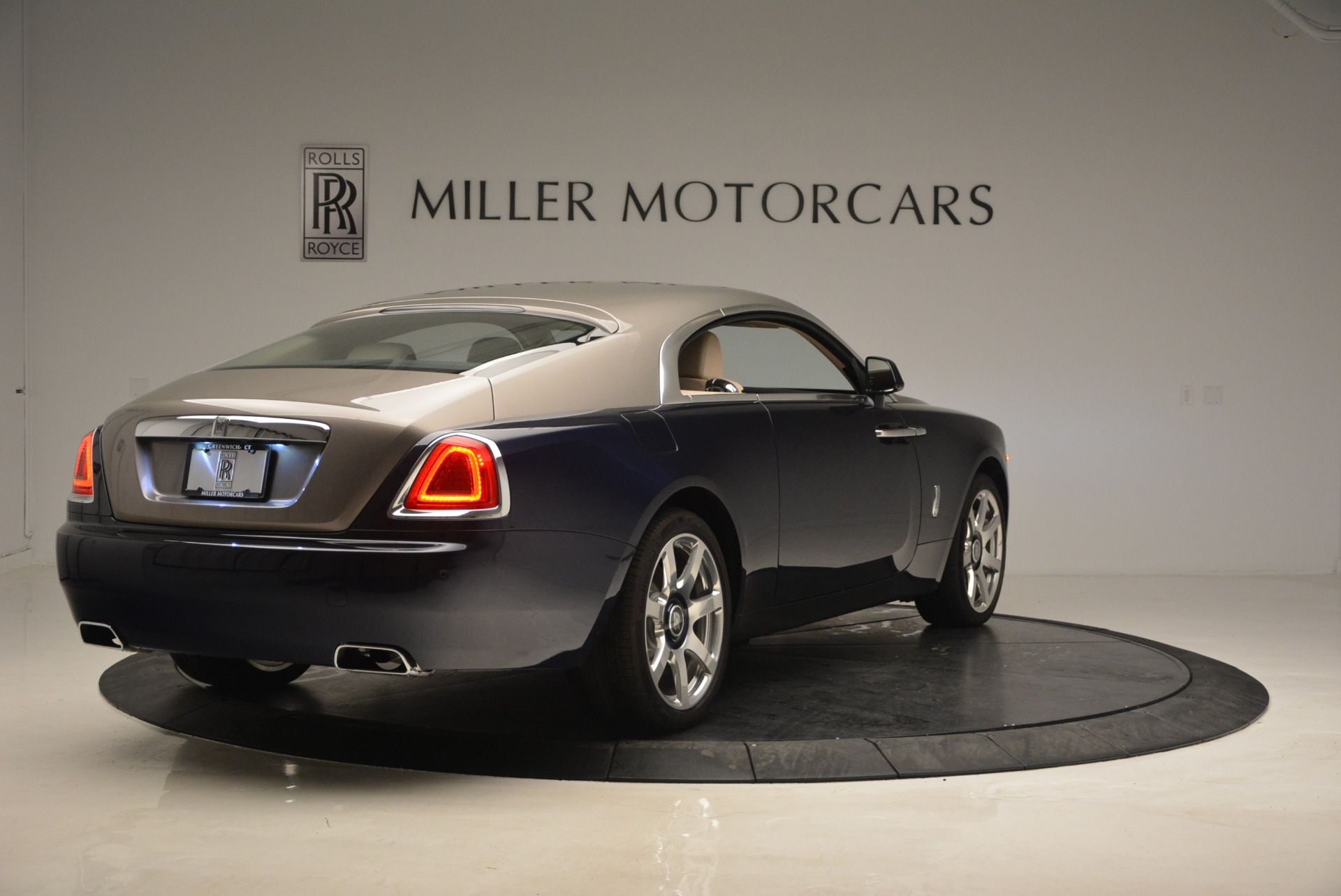 Used 2015 Rolls-Royce Wraith  For Sale In Greenwich, CT 1013_p7