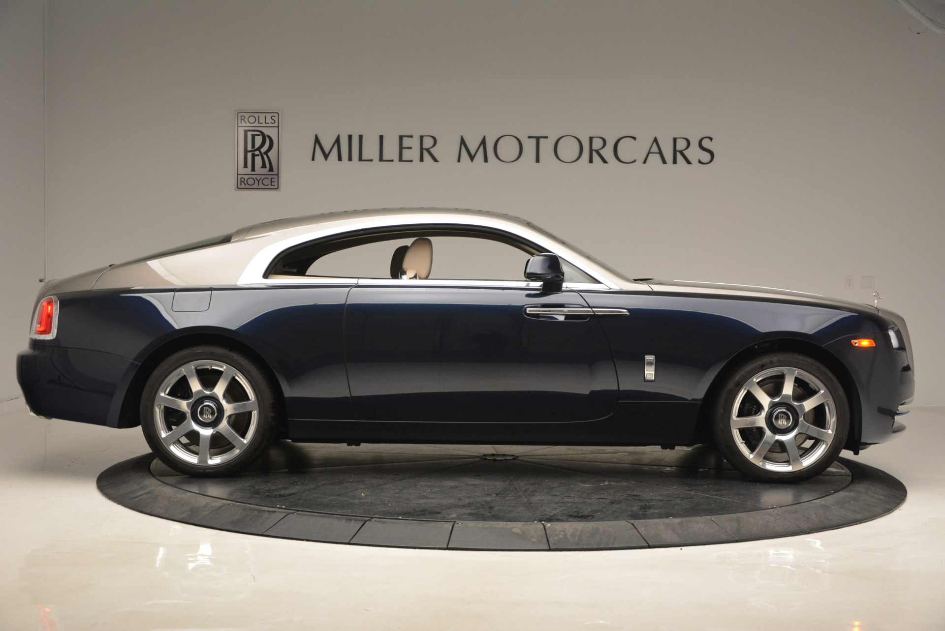Used 2015 Rolls-Royce Wraith  For Sale In Greenwich, CT 1013_p9