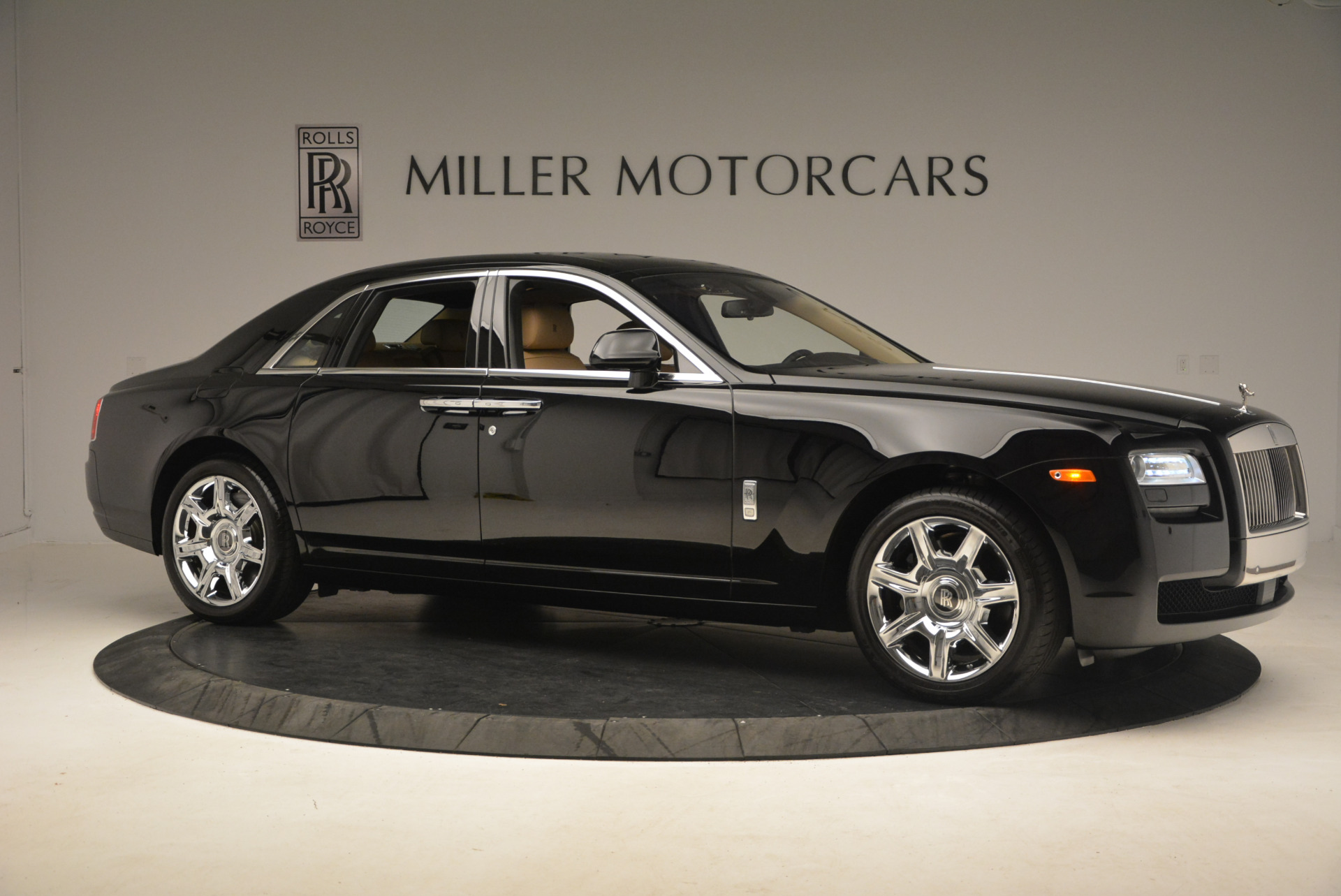 Used 2013 Rolls-Royce Ghost  For Sale In Greenwich, CT 1014_p10