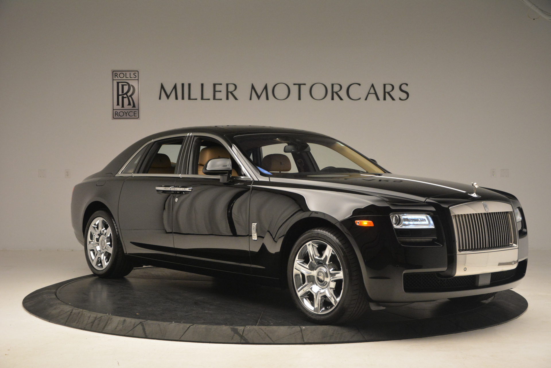Used 2013 Rolls-Royce Ghost  For Sale In Greenwich, CT 1014_p11