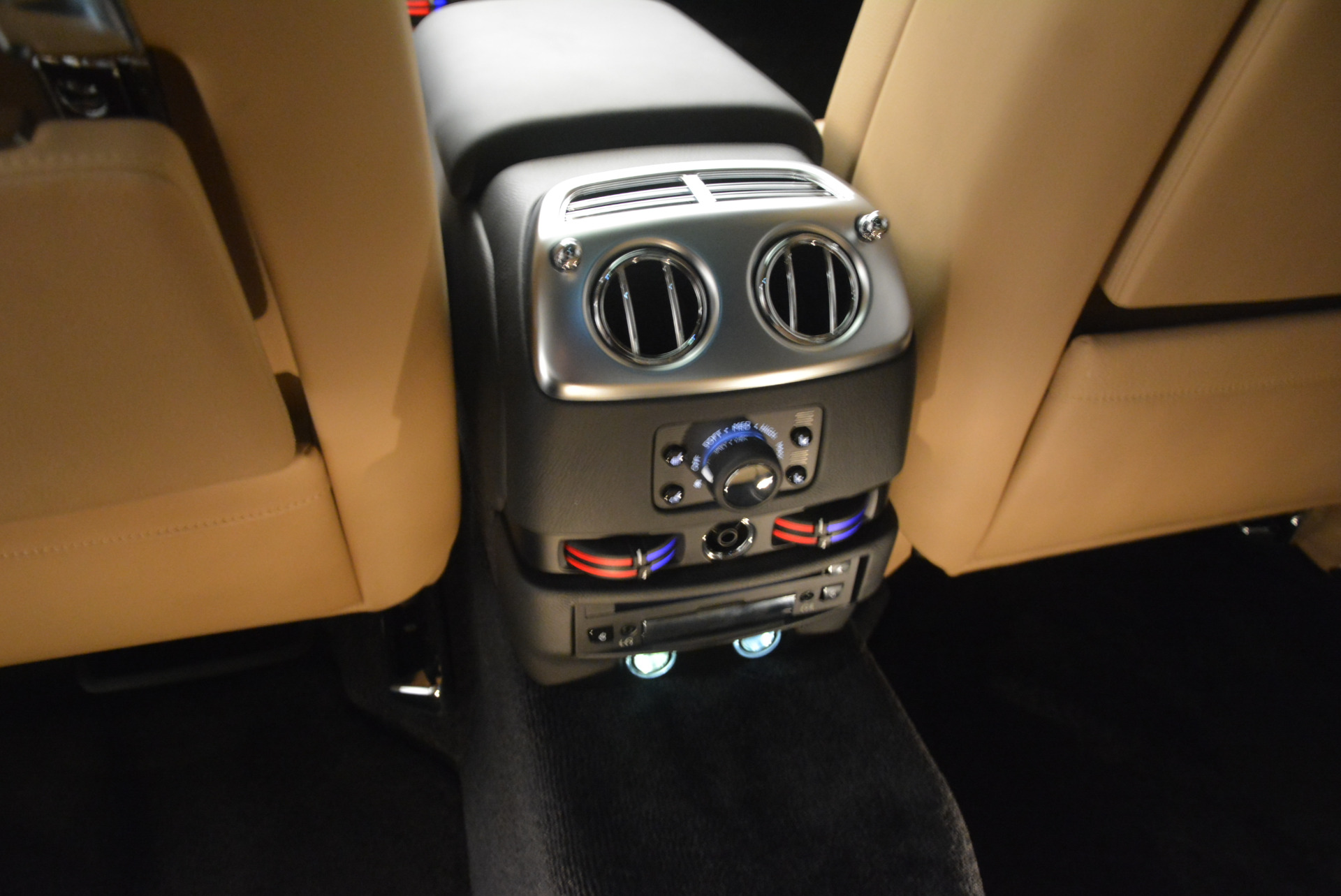 Used 2013 Rolls-Royce Ghost  For Sale In Greenwich, CT 1014_p23