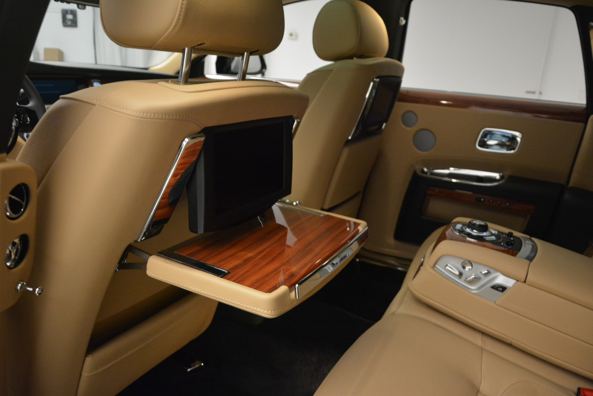 Used 2013 Rolls-Royce Ghost  For Sale In Greenwich, CT 1014_p26