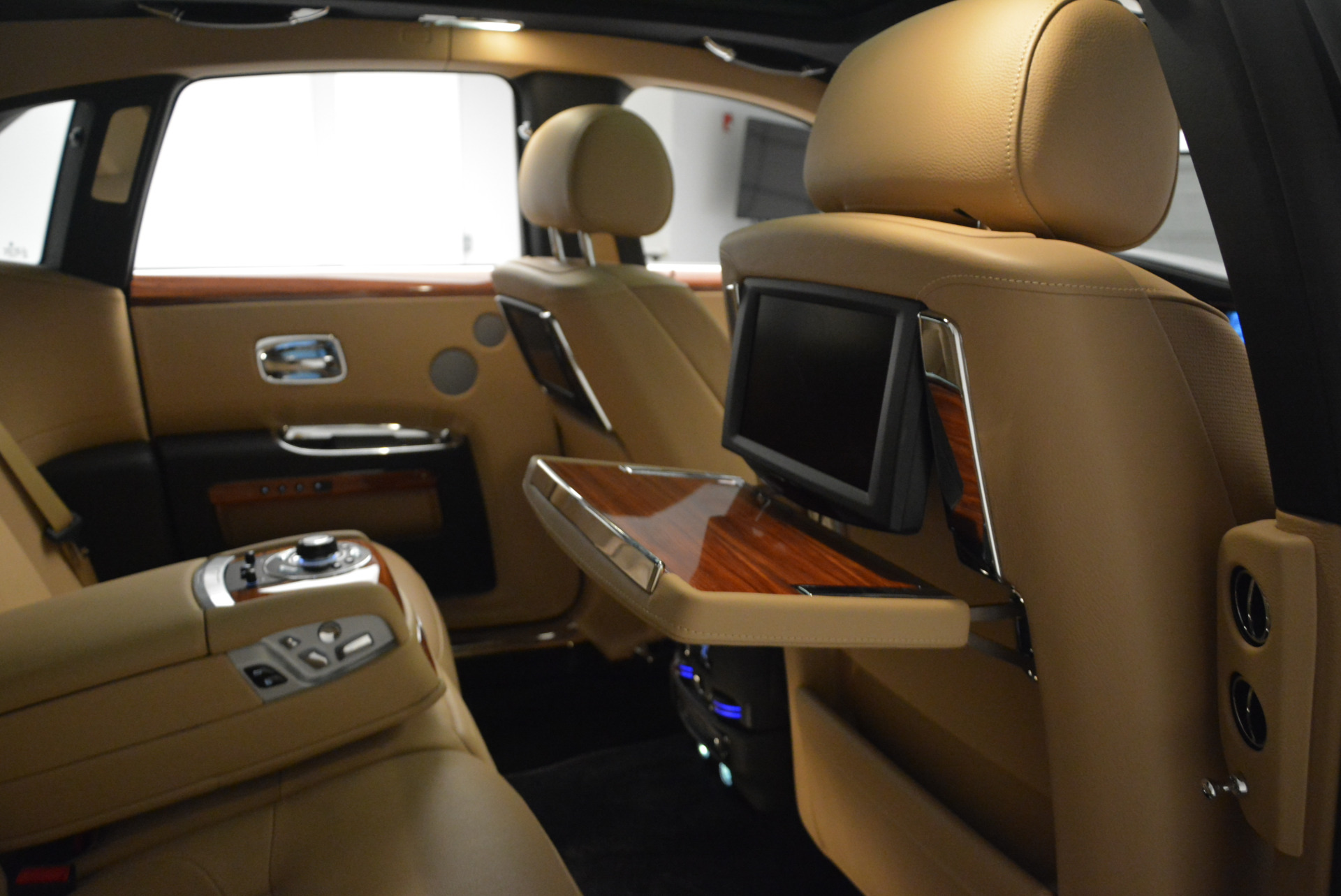 Used 2013 Rolls-Royce Ghost  For Sale In Greenwich, CT 1014_p33