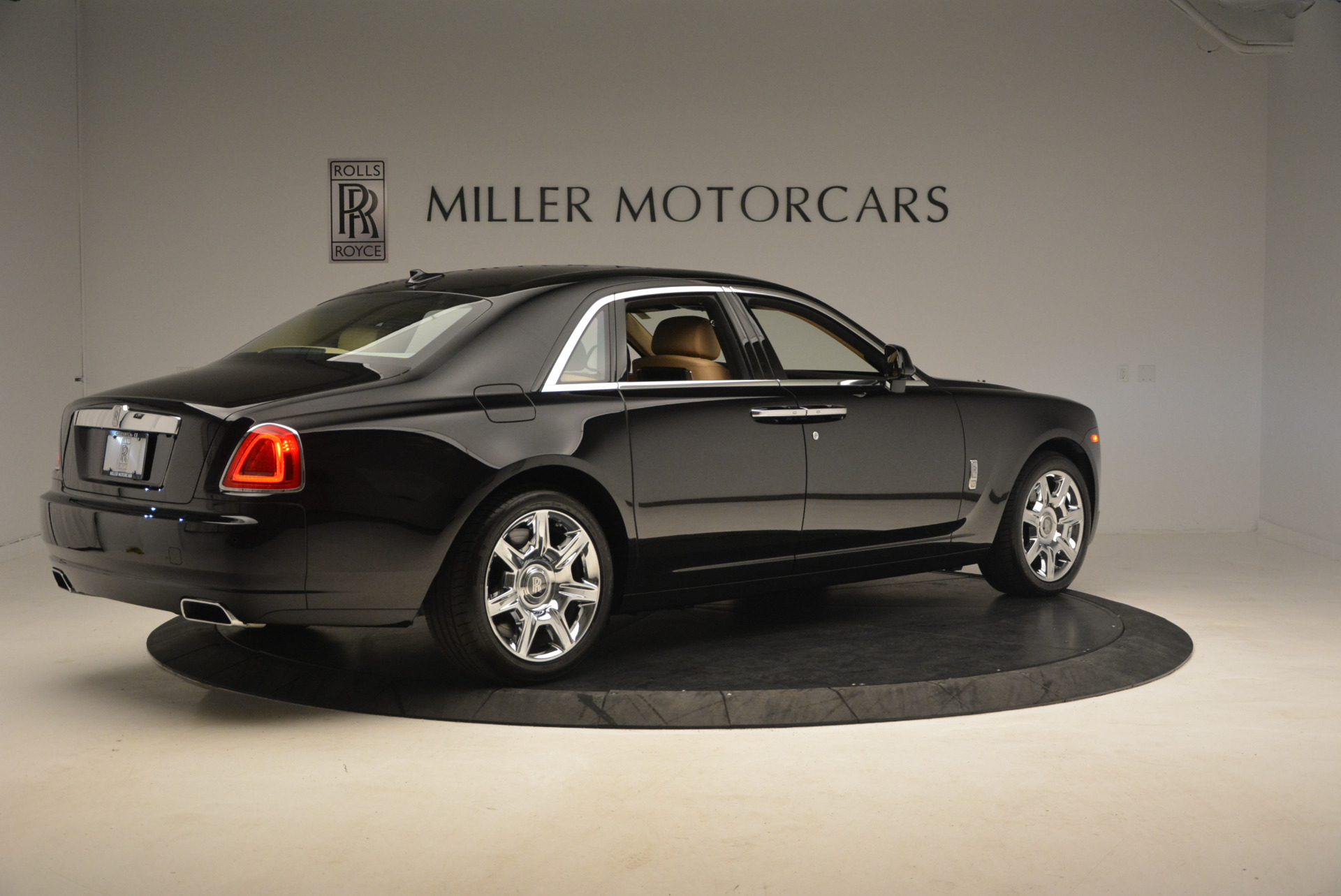 Used 2013 Rolls-Royce Ghost  For Sale In Greenwich, CT 1014_p8