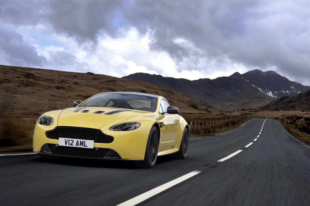 New 2017 Aston Martin V12 Vantage S  For Sale In Greenwich, CT