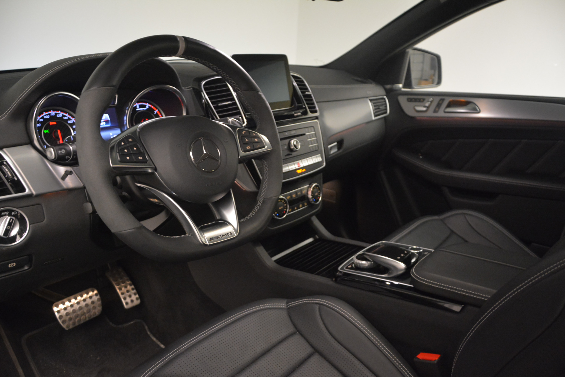 Used 2016 Mercedes Benz AMG GLE63 S For Sale In Greenwich, CT 1025_p16