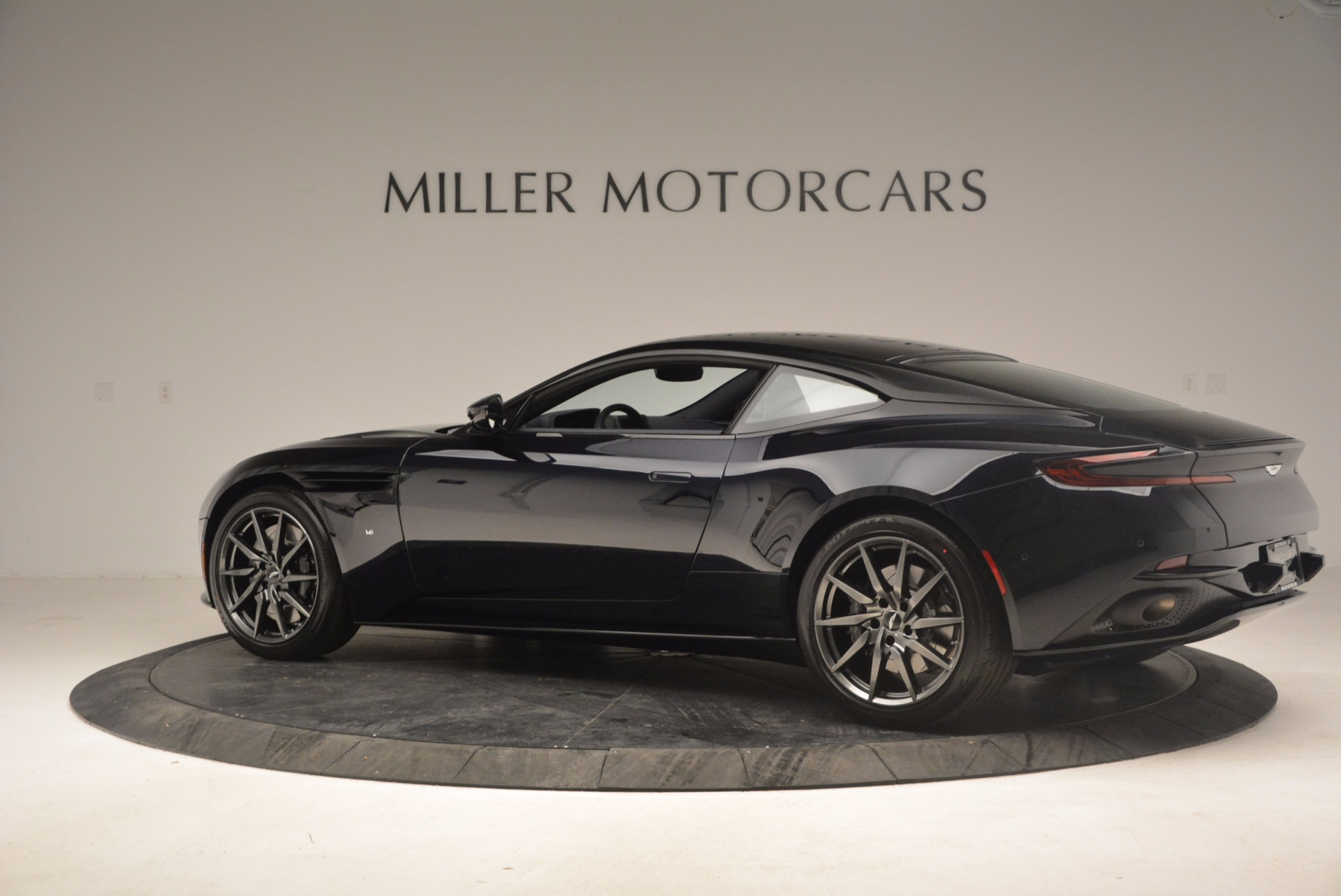 Used 2017 Aston Martin DB11 V12 Coupe For Sale In Greenwich, CT 1026_p4