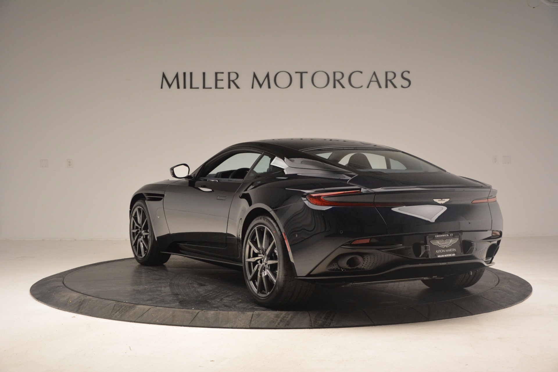Used 2017 Aston Martin DB11 V12 Coupe For Sale In Greenwich, CT 1026_p5