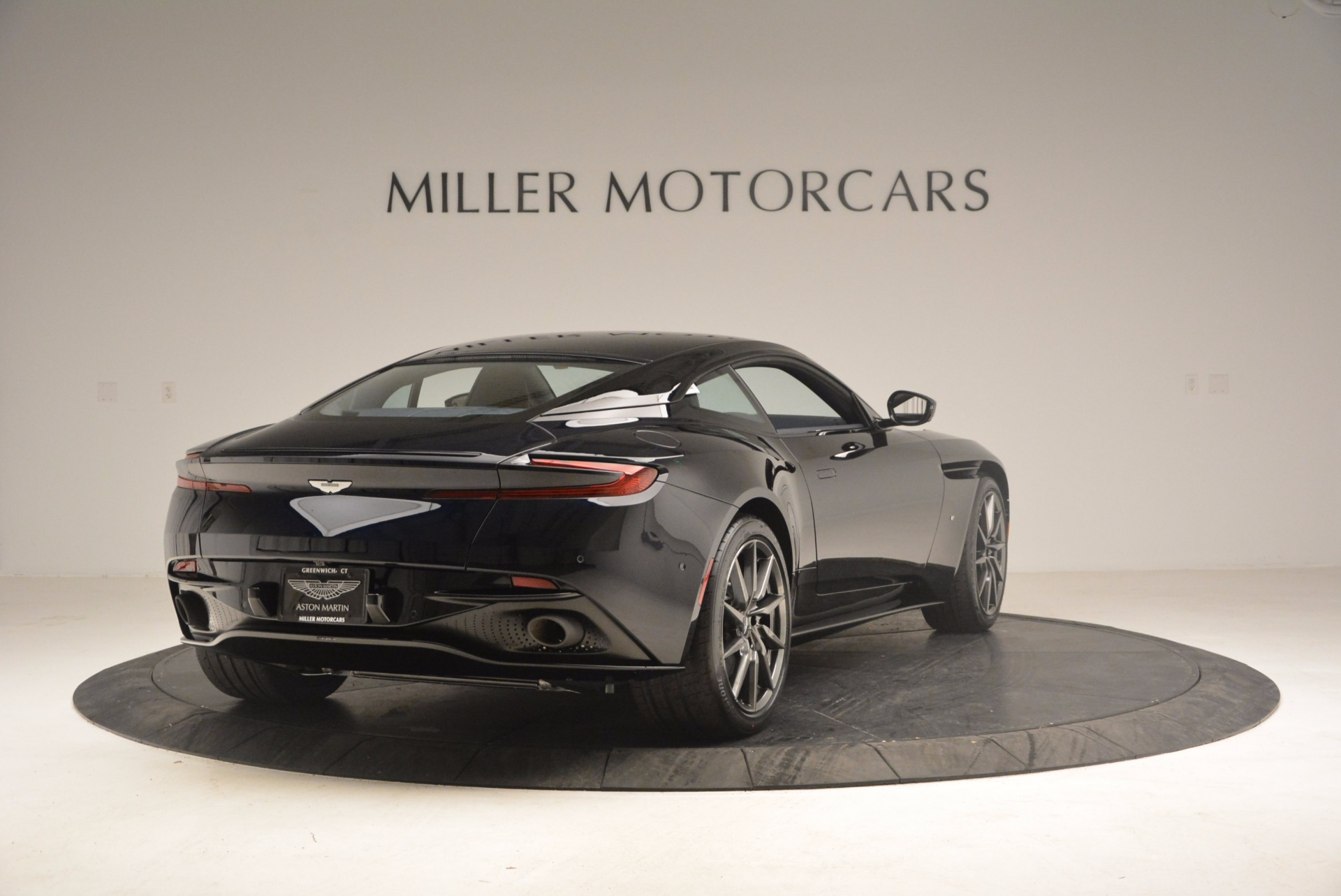 Used 2017 Aston Martin DB11 V12 Coupe For Sale In Greenwich, CT 1026_p7
