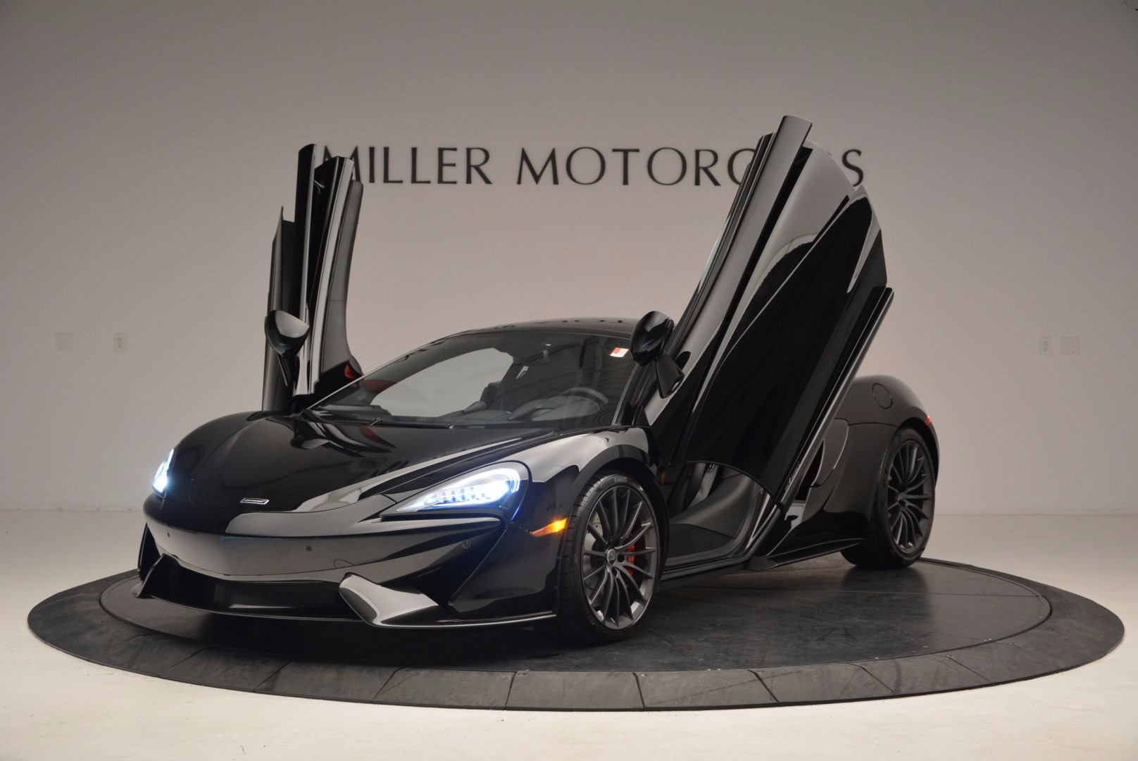 Used 2017 McLaren 570GT  For Sale In Greenwich, CT 1055_p13