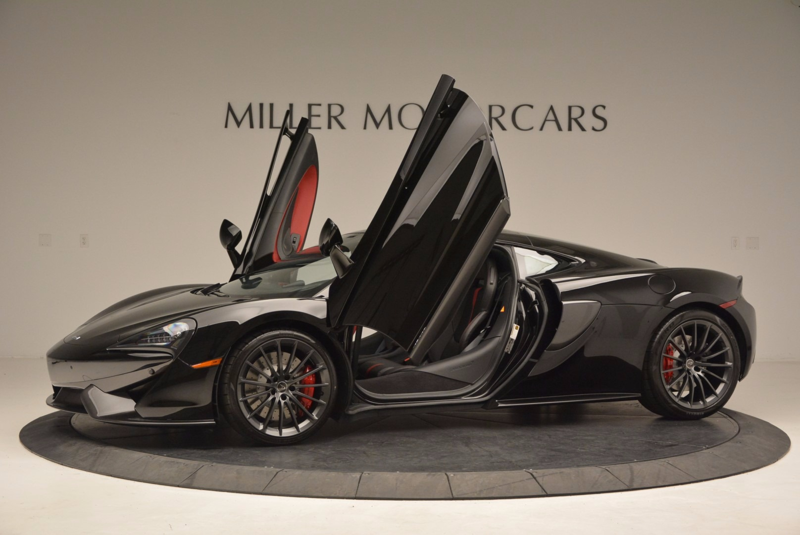 Used 2017 McLaren 570GT  For Sale In Greenwich, CT 1055_p14
