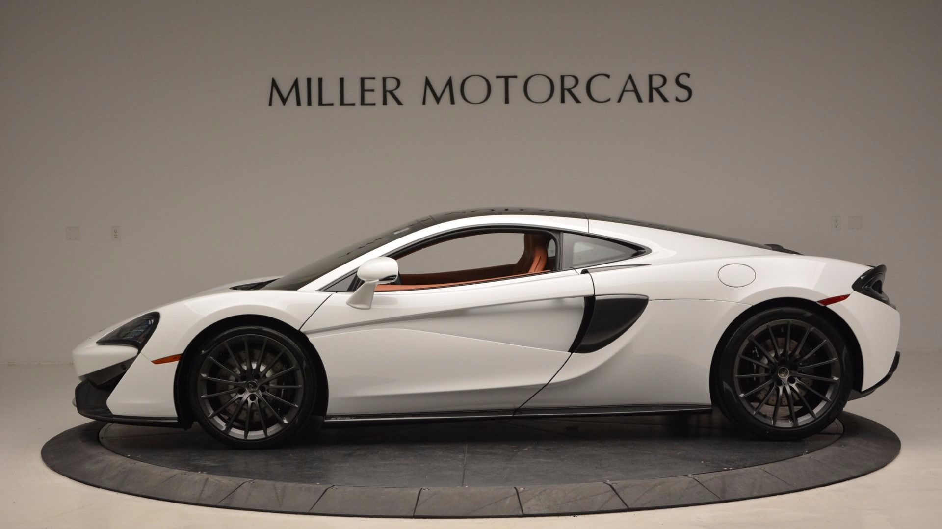 Used 2017 McLaren 570GT  For Sale In Greenwich, CT 1074_p3