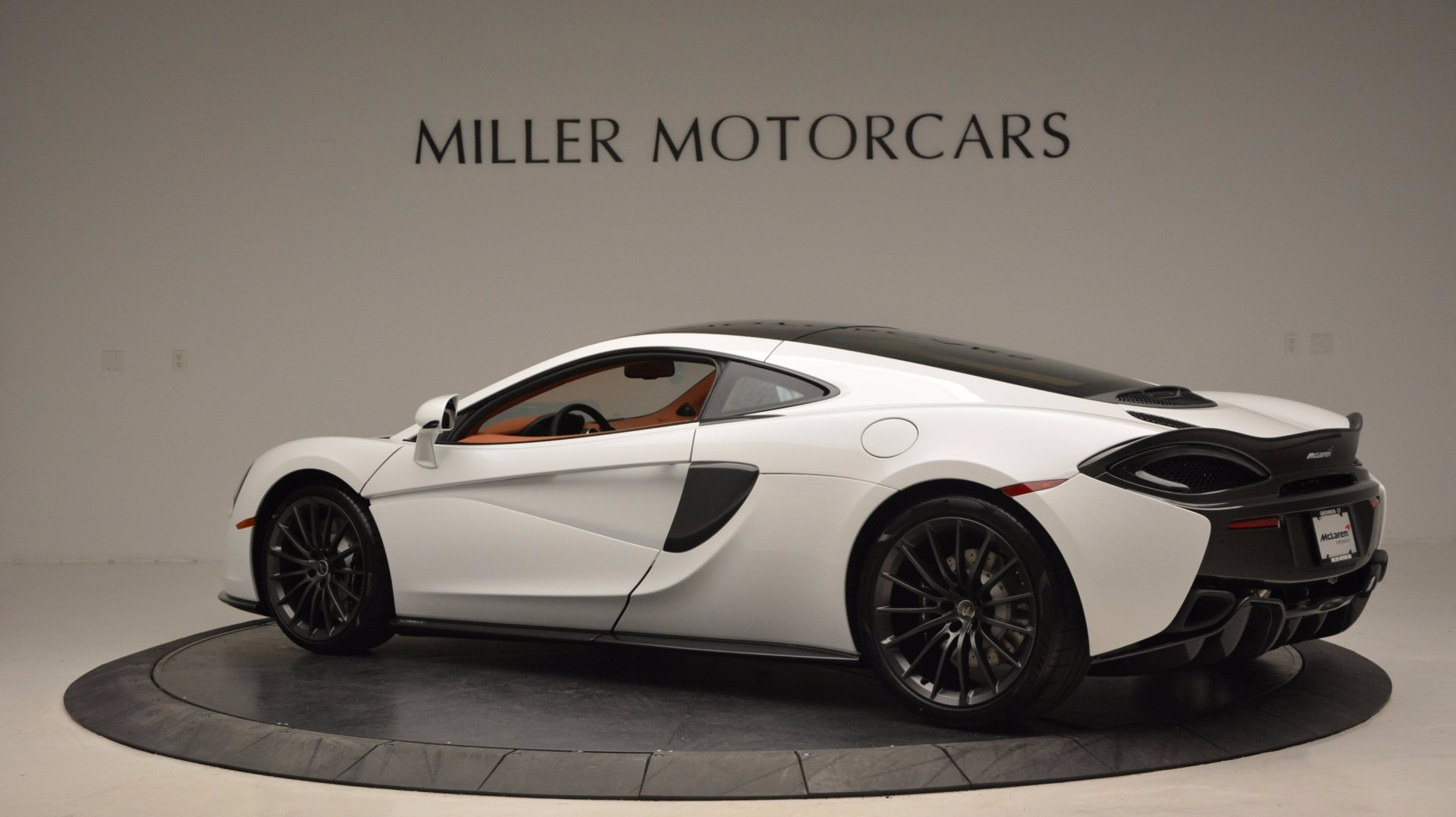 Used 2017 McLaren 570GT  For Sale In Greenwich, CT 1074_p4