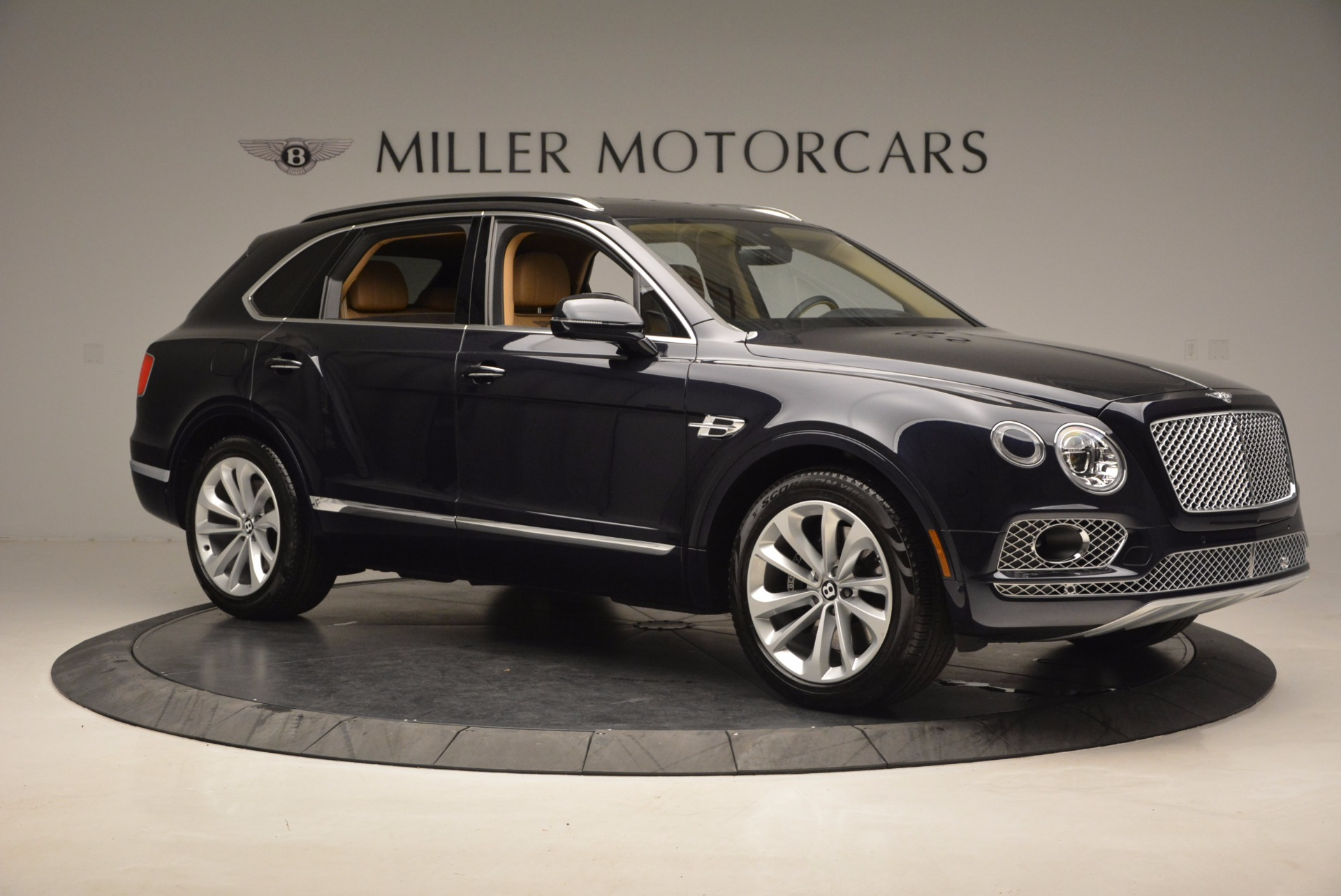 Used 2017 Bentley Bentayga W12 For Sale In Greenwich, CT 1077_p10