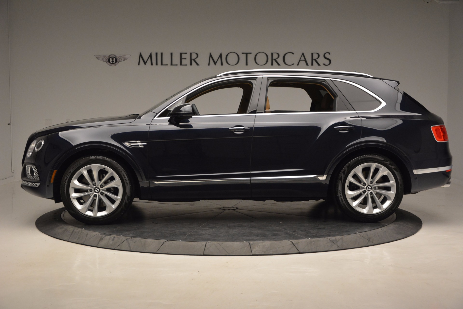Used 2017 Bentley Bentayga W12 For Sale In Greenwich, CT 1077_p3
