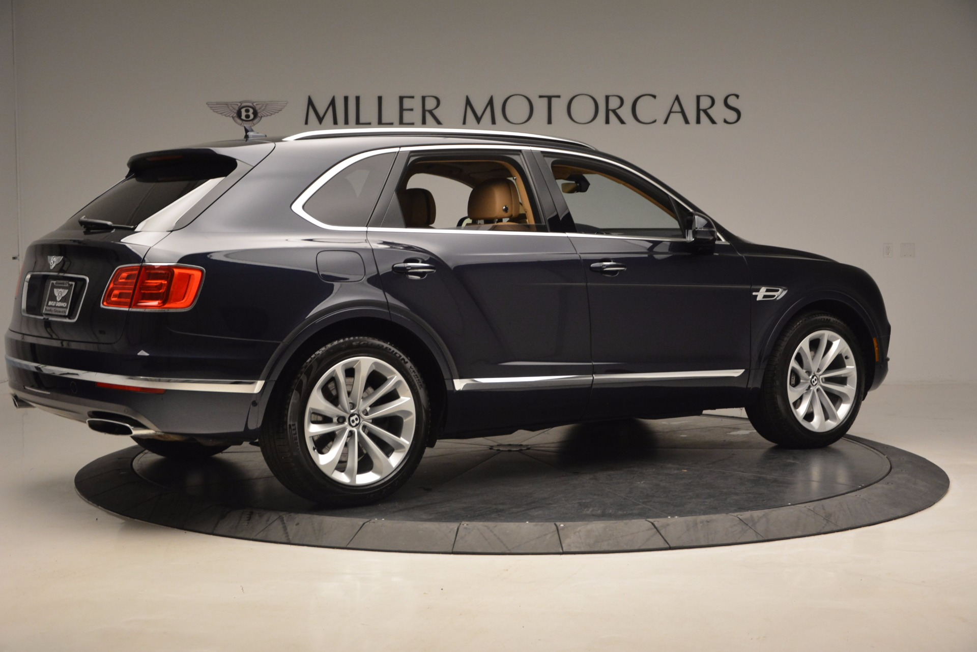 Used 2017 Bentley Bentayga W12 For Sale In Greenwich, CT 1077_p8