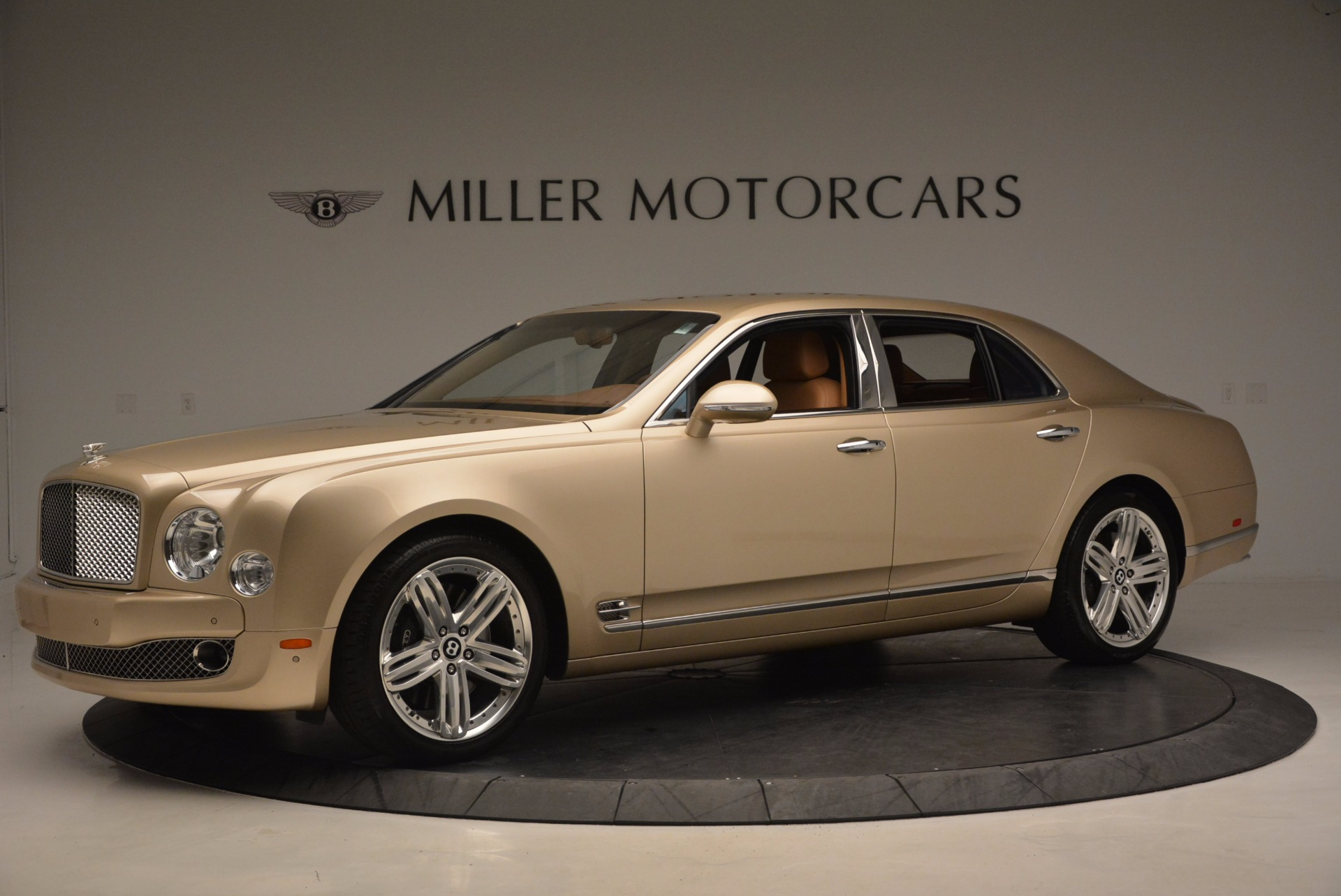 Used 2011 Bentley Mulsanne  For Sale In Greenwich, CT 1081_p2