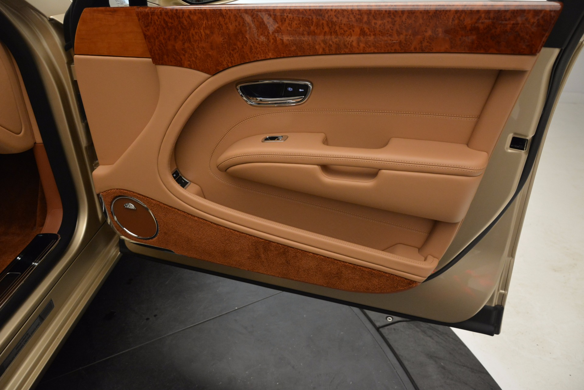 Used 2011 Bentley Mulsanne  For Sale In Greenwich, CT 1081_p37