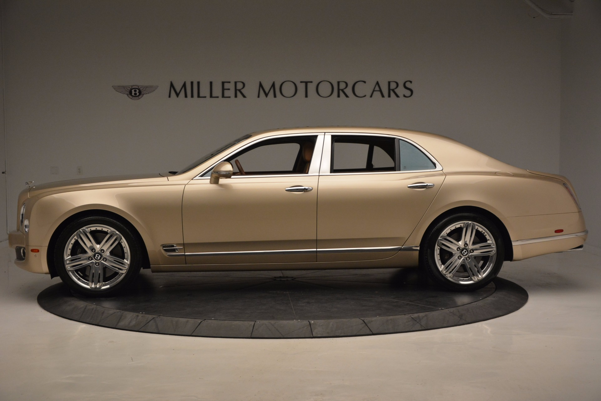 Used 2011 Bentley Mulsanne  For Sale In Greenwich, CT 1081_p3