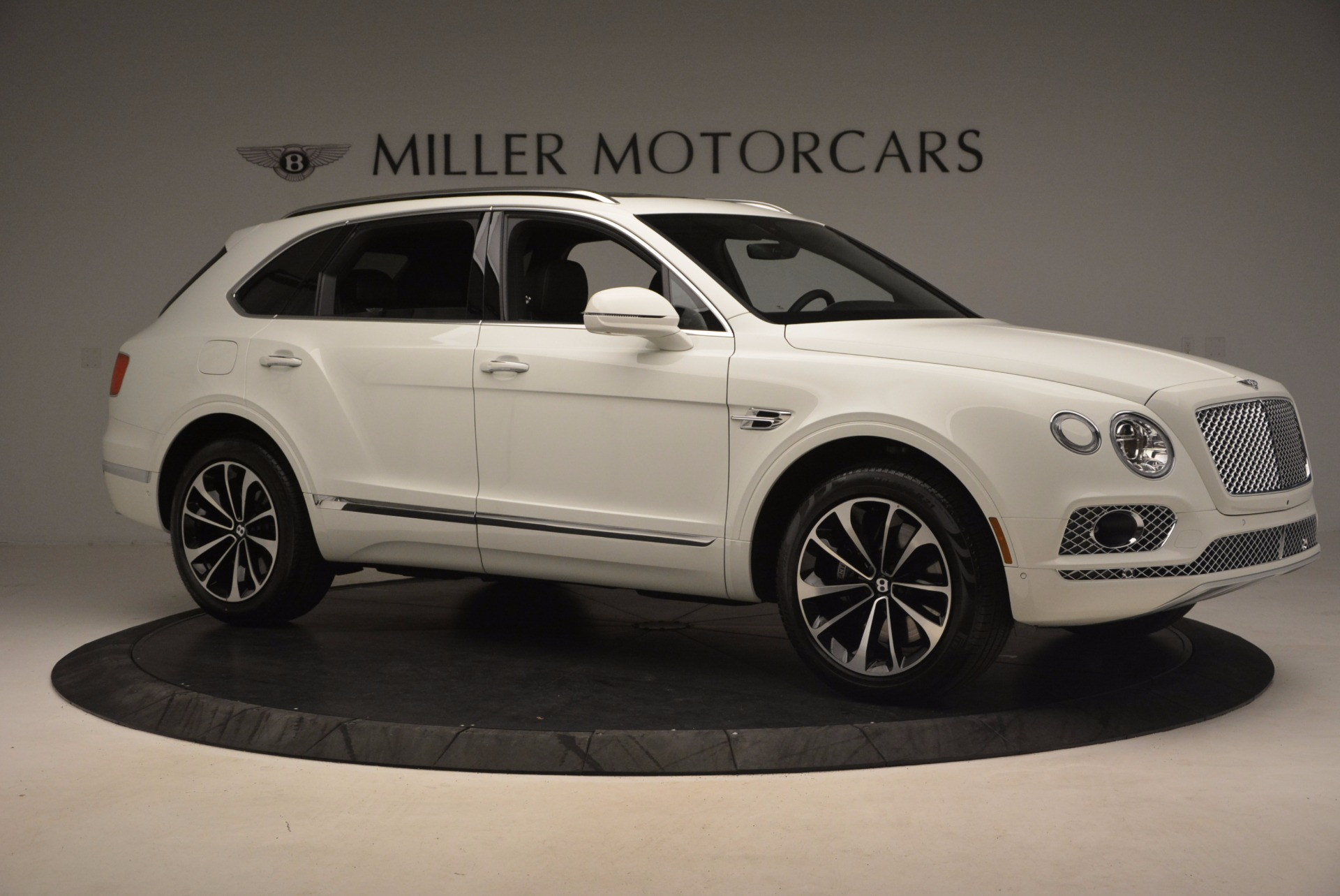 Used 2017 Bentley Bentayga  For Sale In Greenwich, CT 1091_p10