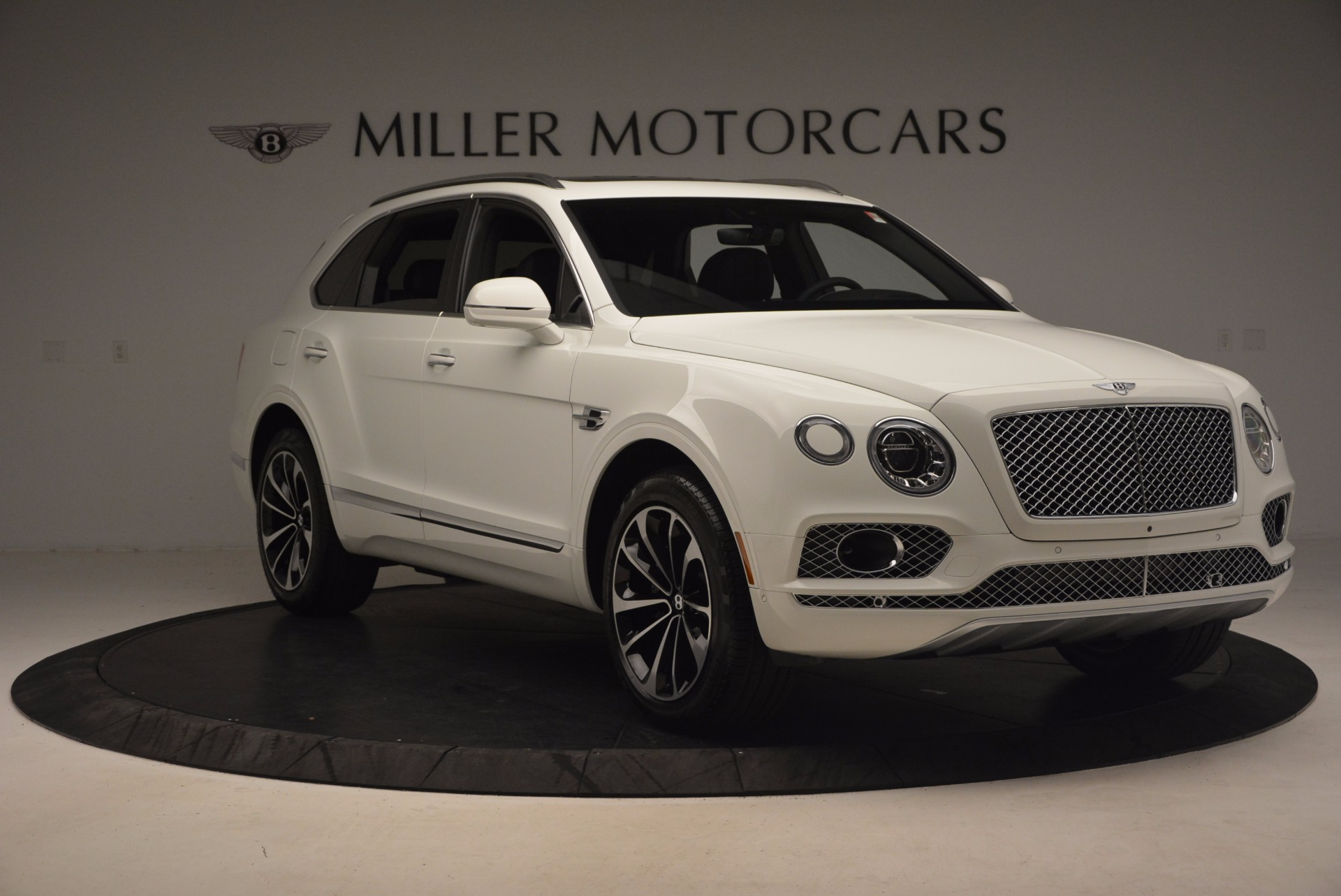 Used 2017 Bentley Bentayga  For Sale In Greenwich, CT 1091_p11