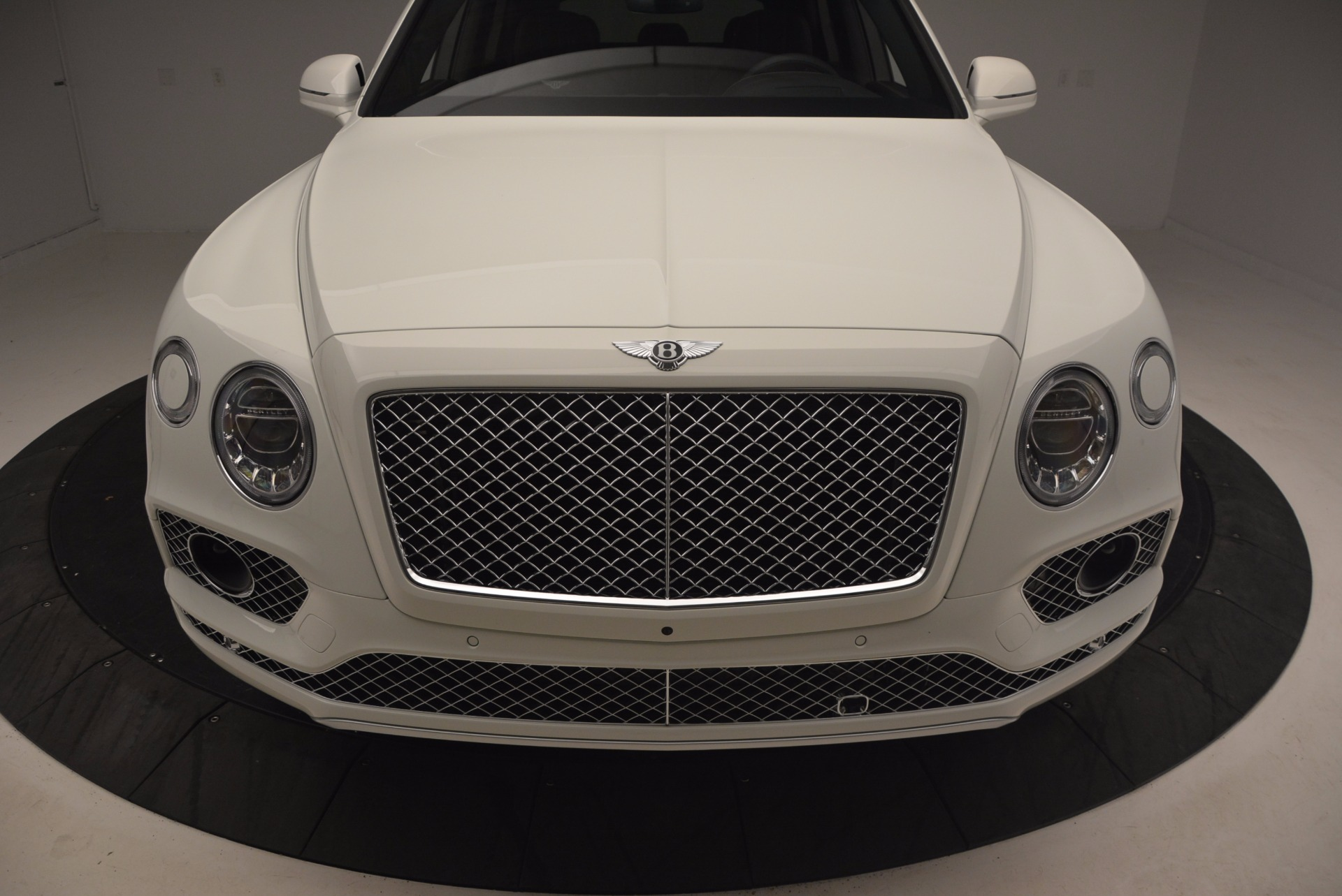 Used 2017 Bentley Bentayga  For Sale In Greenwich, CT 1091_p13
