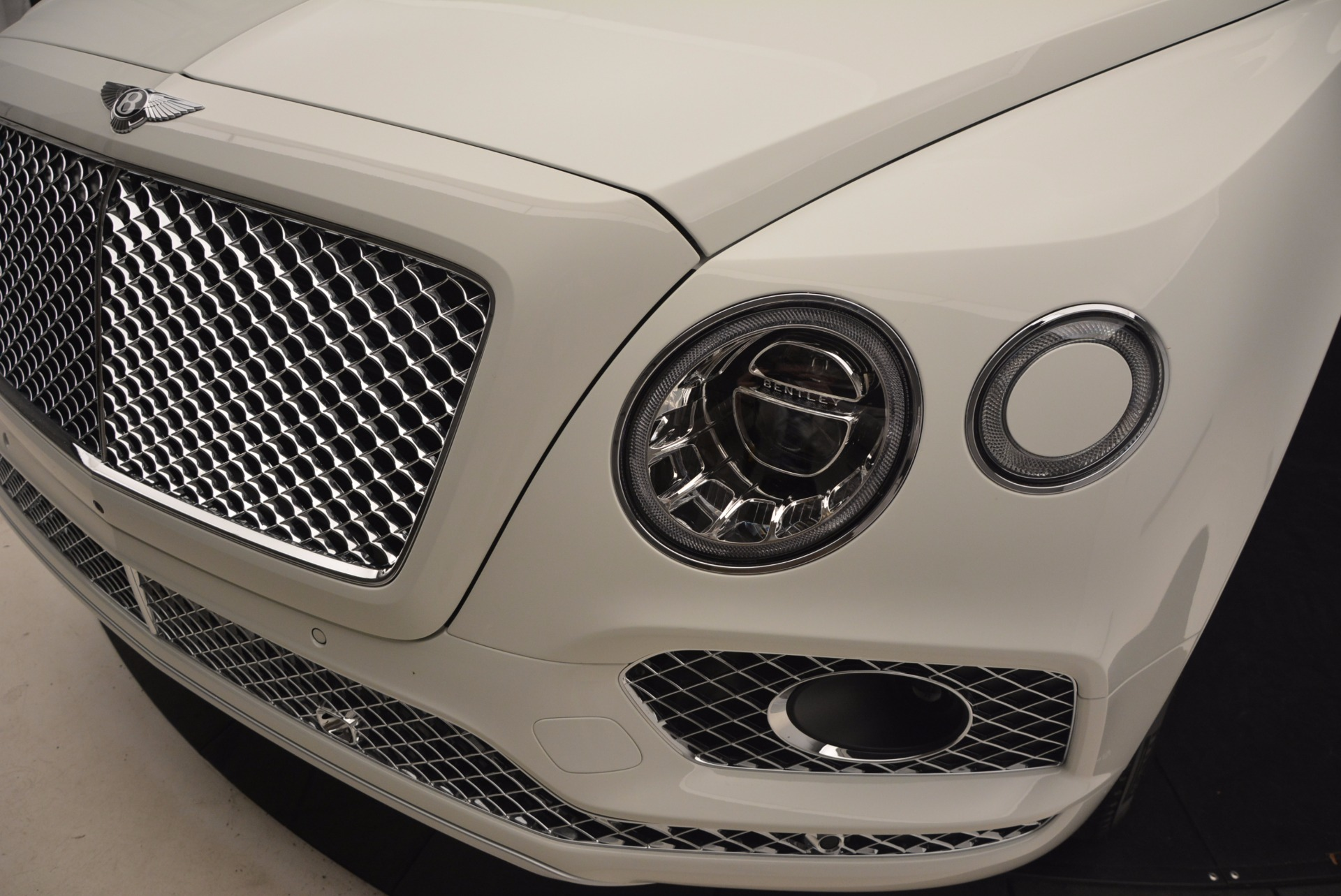 Used 2017 Bentley Bentayga  For Sale In Greenwich, CT 1091_p14