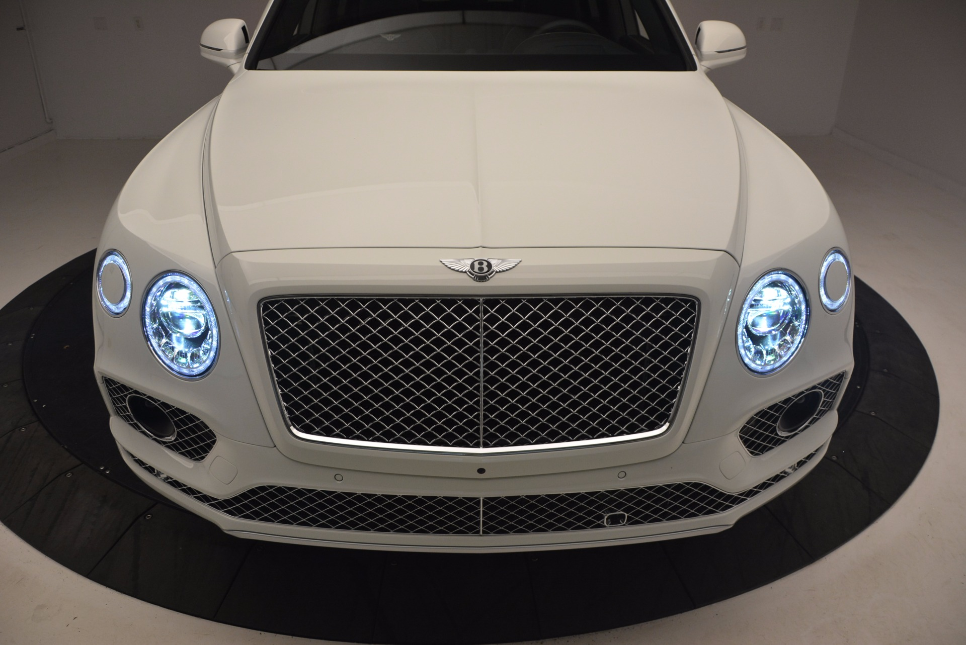 Used 2017 Bentley Bentayga  For Sale In Greenwich, CT 1091_p15