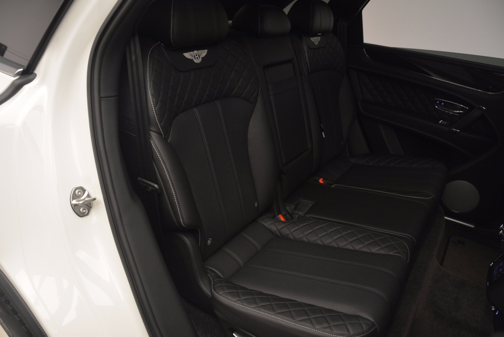 Used 2017 Bentley Bentayga  For Sale In Greenwich, CT 1091_p39
