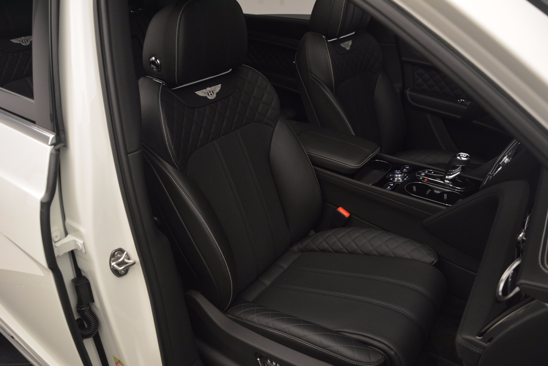 Used 2017 Bentley Bentayga  For Sale In Greenwich, CT 1091_p43