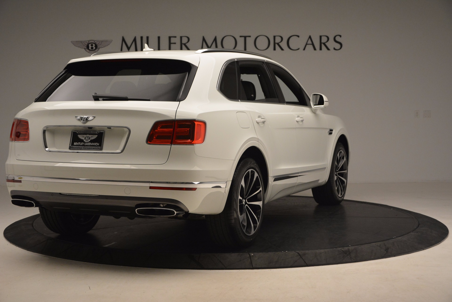 Used 2017 Bentley Bentayga  For Sale In Greenwich, CT 1091_p7
