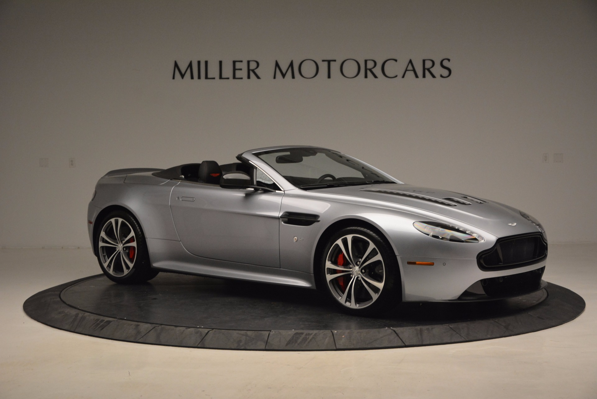 Used 2015 Aston Martin V12 Vantage S Roadster For Sale In Greenwich, CT 1130_p10