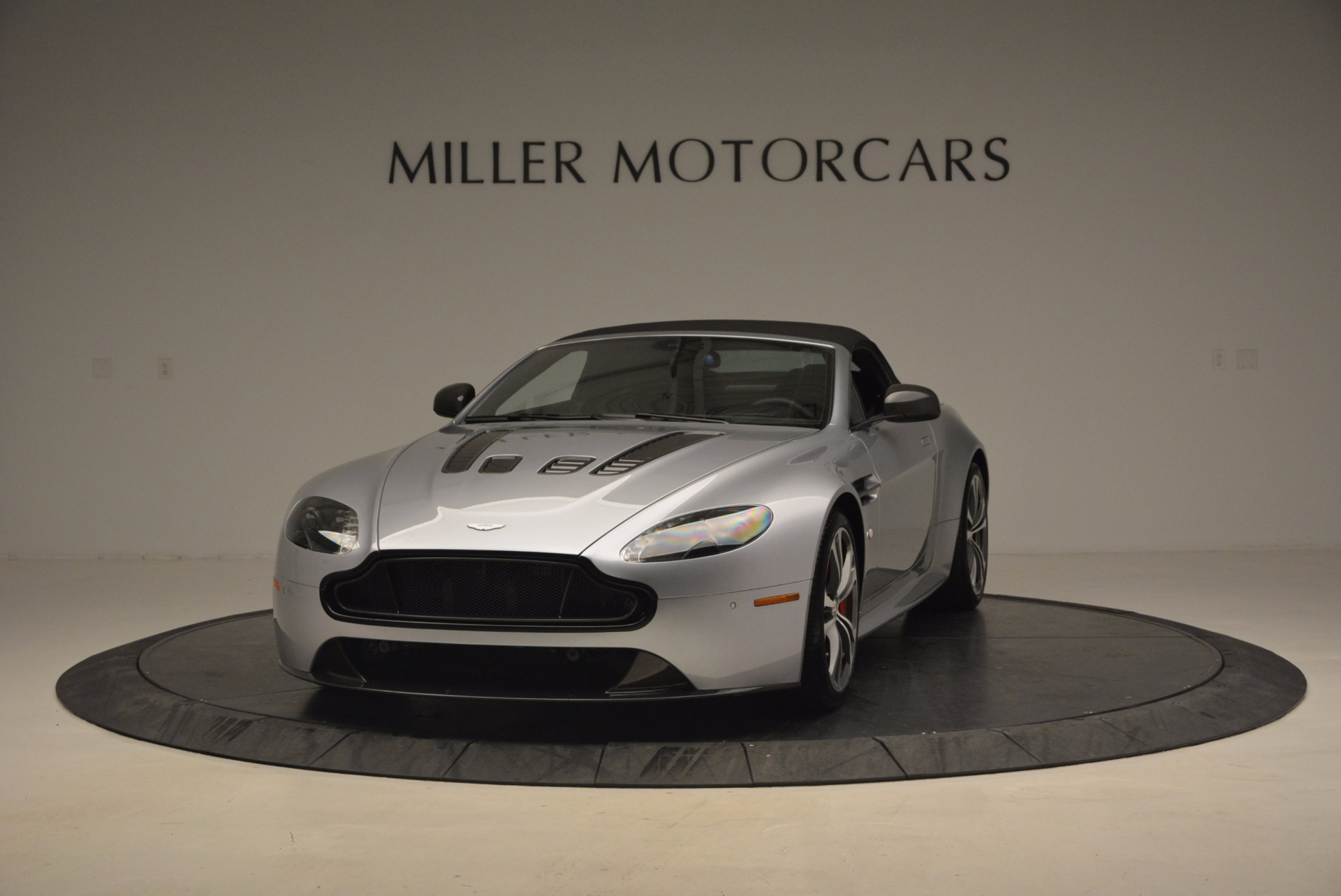Used 2015 Aston Martin V12 Vantage S Roadster For Sale In Greenwich, CT 1130_p13