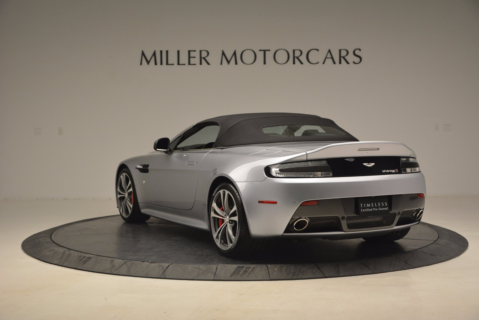 Used 2015 Aston Martin V12 Vantage S Roadster For Sale In Greenwich, CT 1130_p17