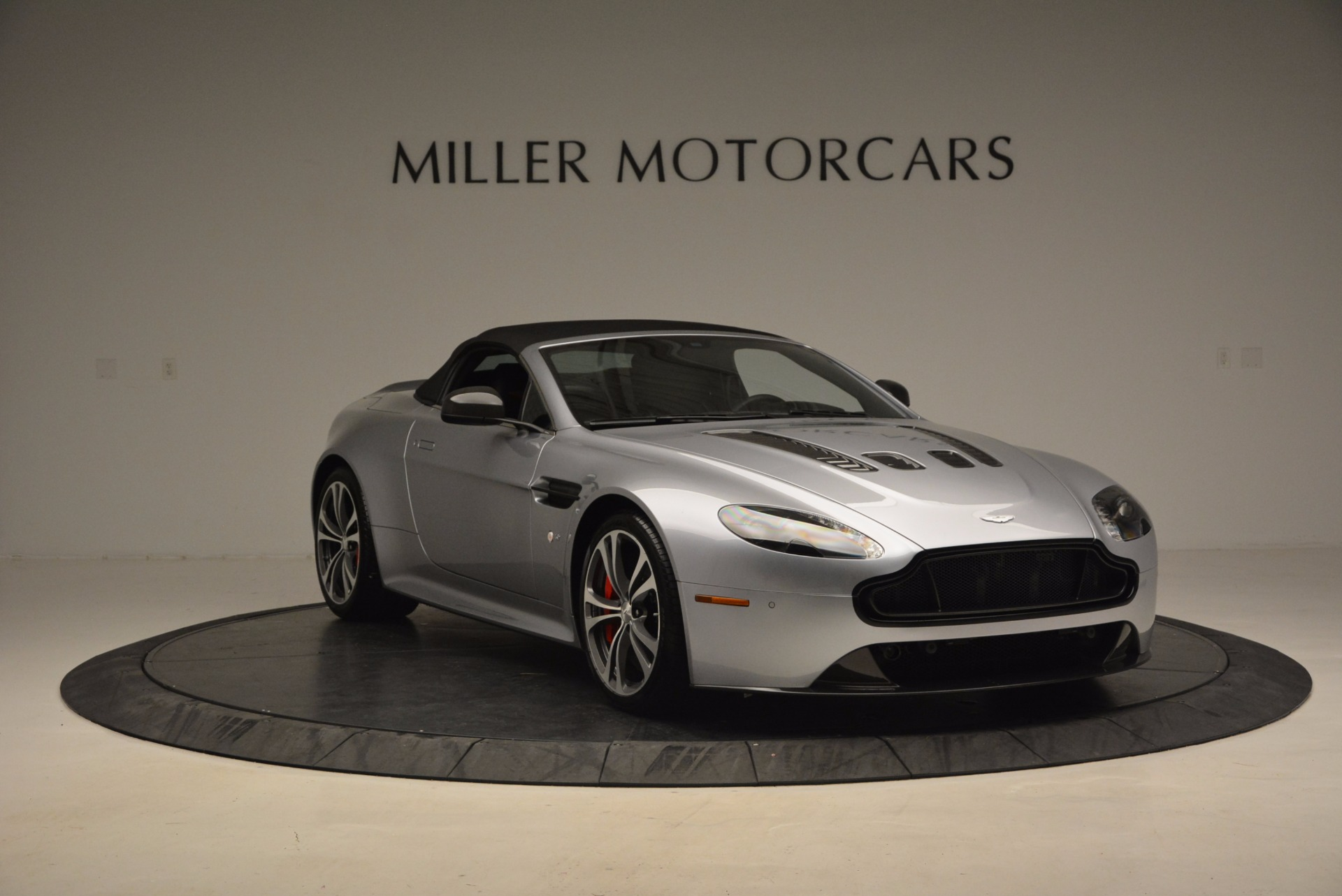 Used 2015 Aston Martin V12 Vantage S Roadster For Sale In Greenwich, CT 1130_p23