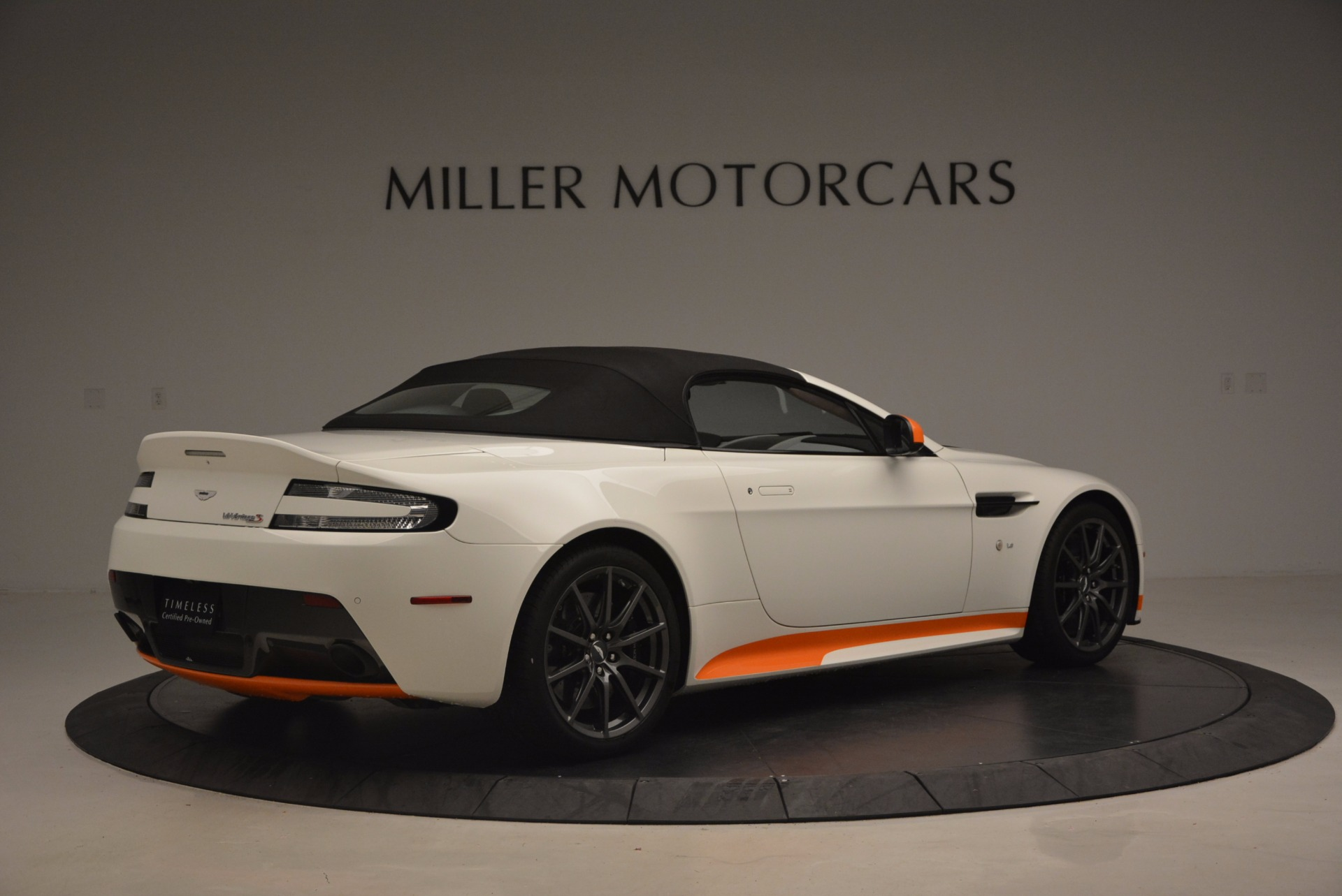 Used 2017 Aston Martin V12 Vantage S Convertible For Sale In Greenwich, CT 1134_p20