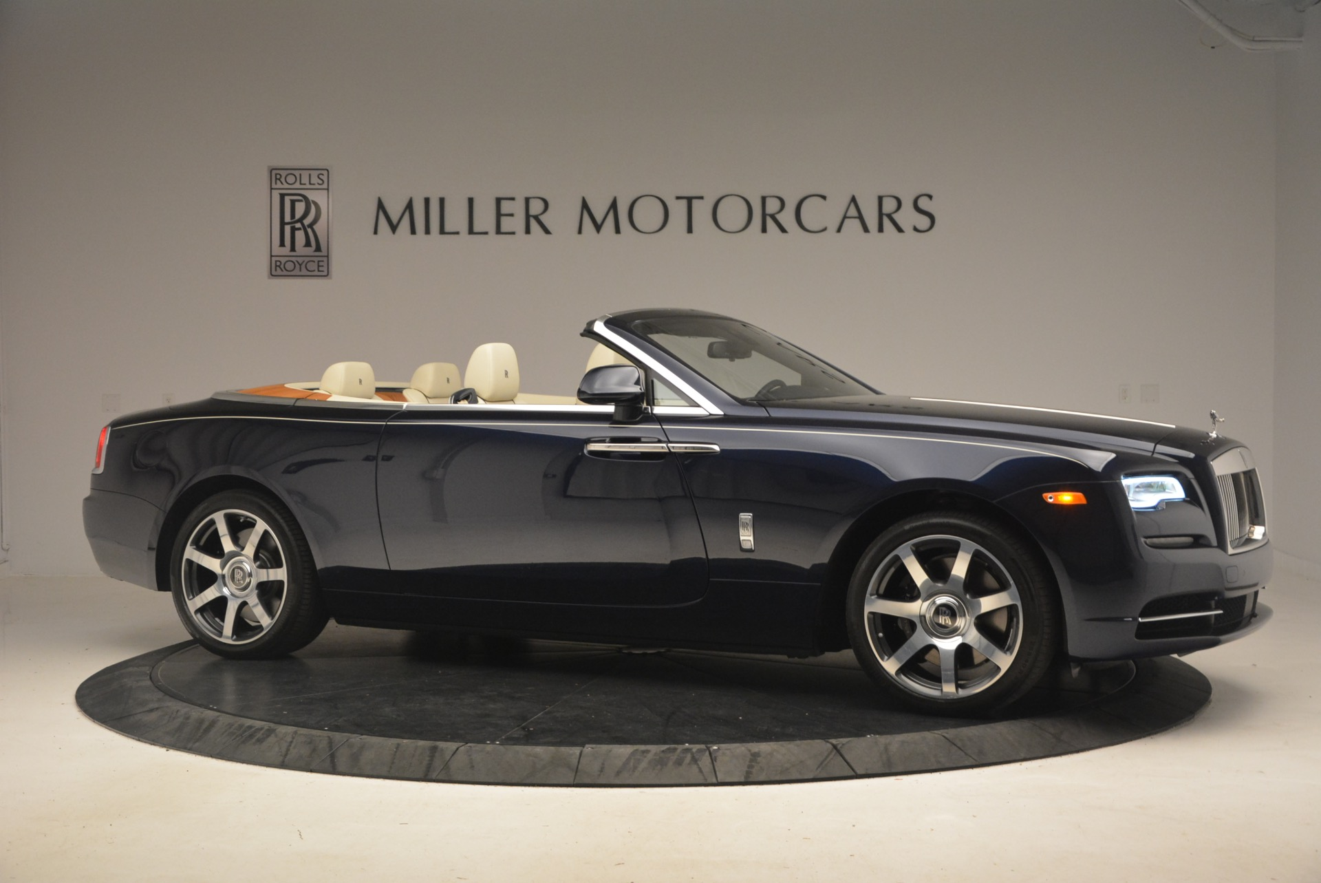 Used 2017 Rolls-Royce Dawn  For Sale In Greenwich, CT 1138_p11