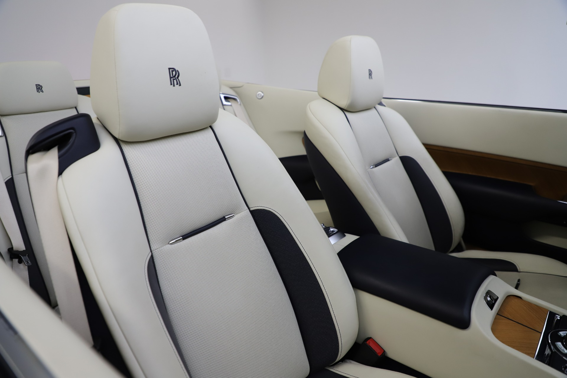Used 2017 Rolls-Royce Dawn  For Sale In Greenwich, CT 1138_p38