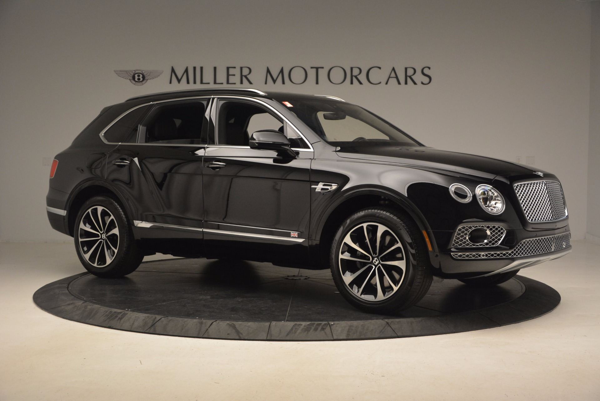 New 2017 Bentley Bentayga  For Sale In Greenwich, CT 1140_p11
