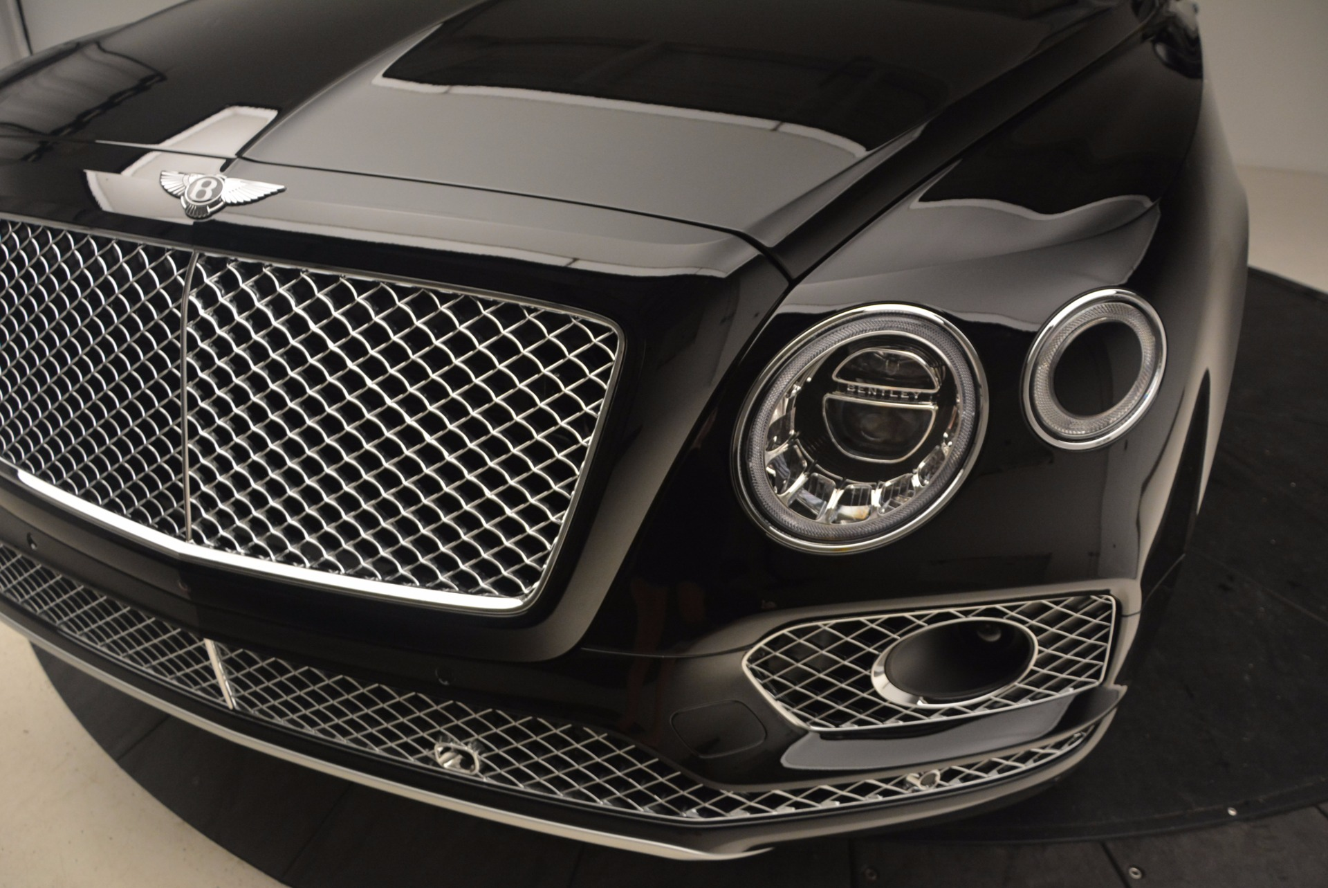 New 2017 Bentley Bentayga  For Sale In Greenwich, CT 1140_p16
