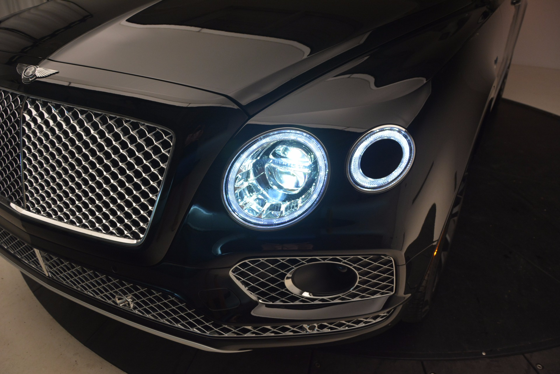New 2017 Bentley Bentayga  For Sale In Greenwich, CT 1140_p19