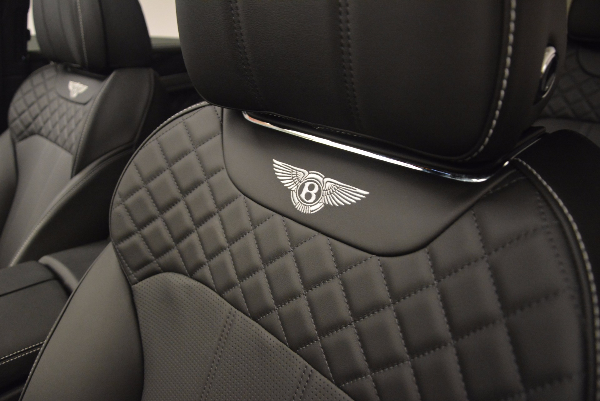 New 2017 Bentley Bentayga  For Sale In Greenwich, CT 1140_p27