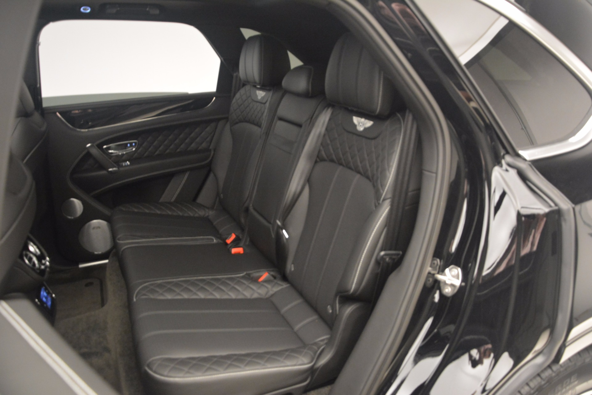 New 2017 Bentley Bentayga  For Sale In Greenwich, CT 1140_p37